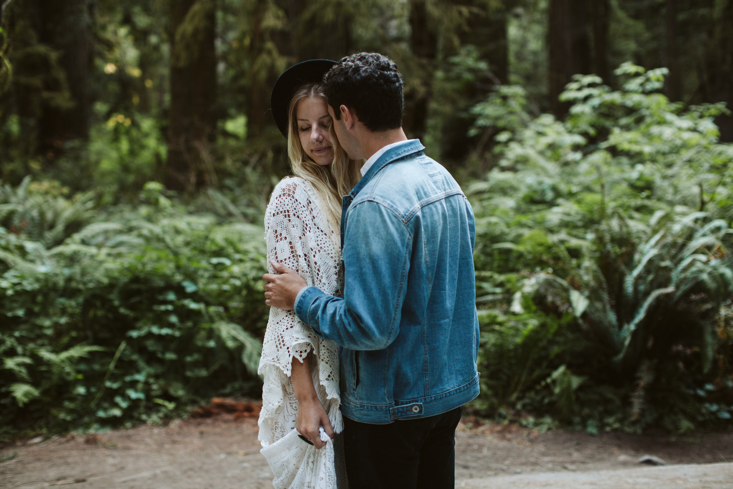 Redwoods_Elopement_Engagement_PNW_SouthernOregon_NorthernCalifornia_ (37 of 42).jpg