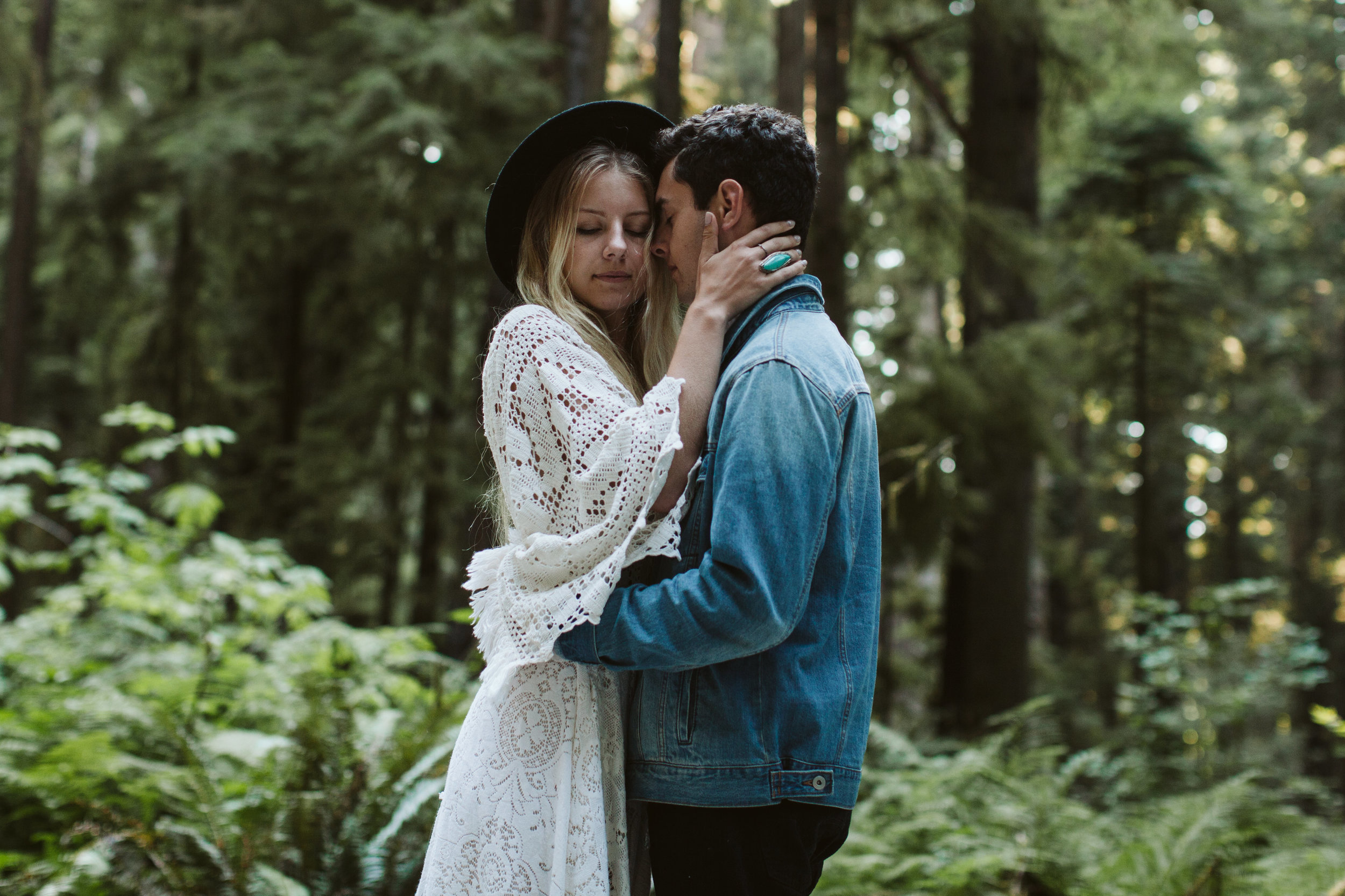 Redwoods_Elopement_Engagement_PNW_SouthernOregon_NorthernCalifornia_ (39 of 42).jpg