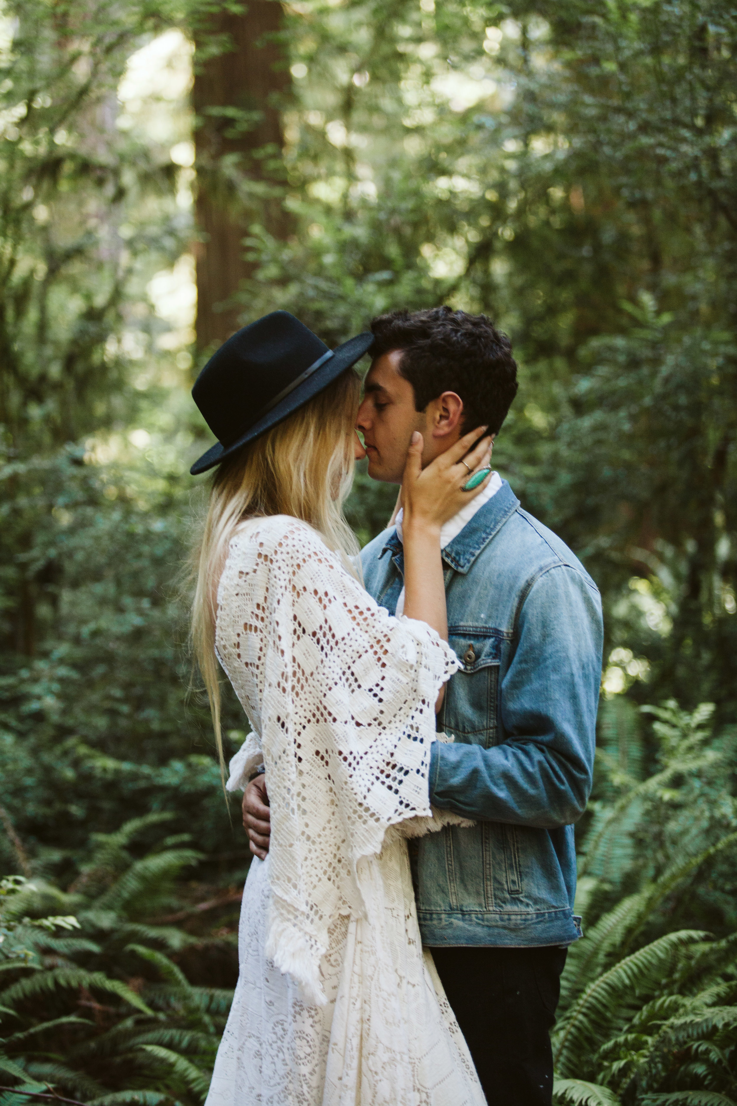 Redwoods_Elopement_Engagement_PNW_SouthernOregon_NorthernCalifornia_ (29 of 42).jpg