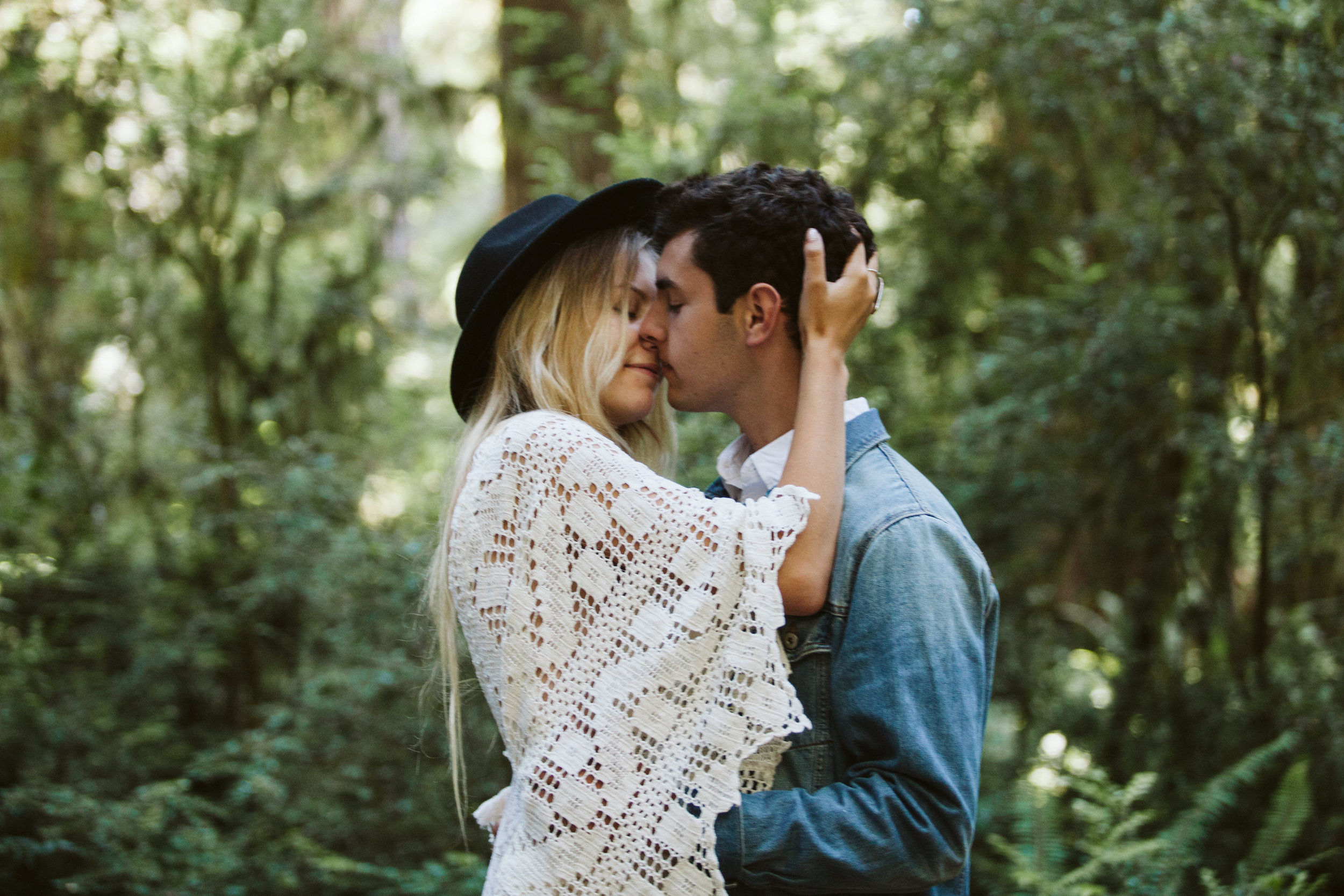 Redwoods_Elopement_Engagement_PNW_SouthernOregon_NorthernCalifornia_ (31 of 42).jpg
