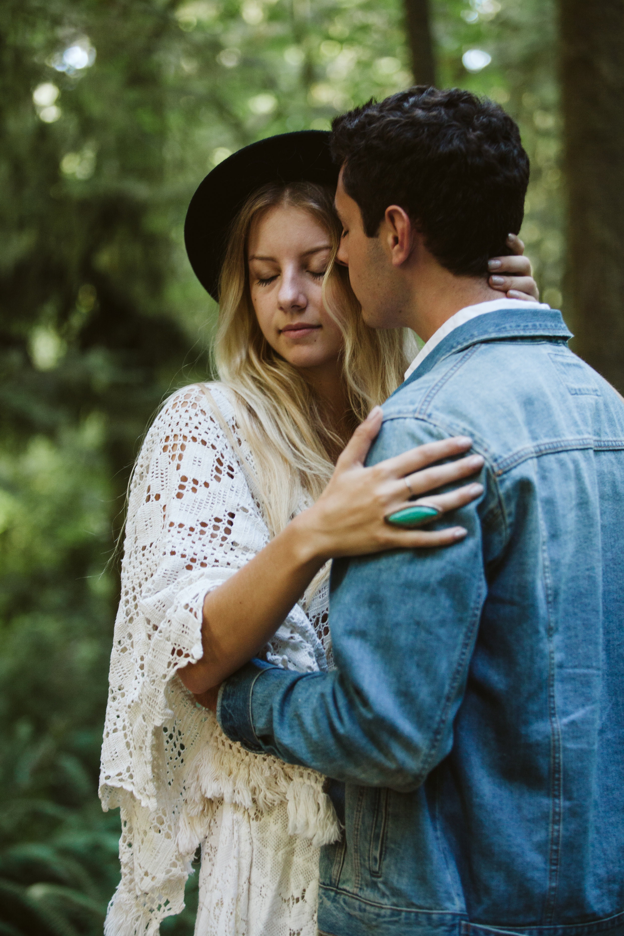 Redwoods_Elopement_Engagement_PNW_SouthernOregon_NorthernCalifornia_ (30 of 42).jpg