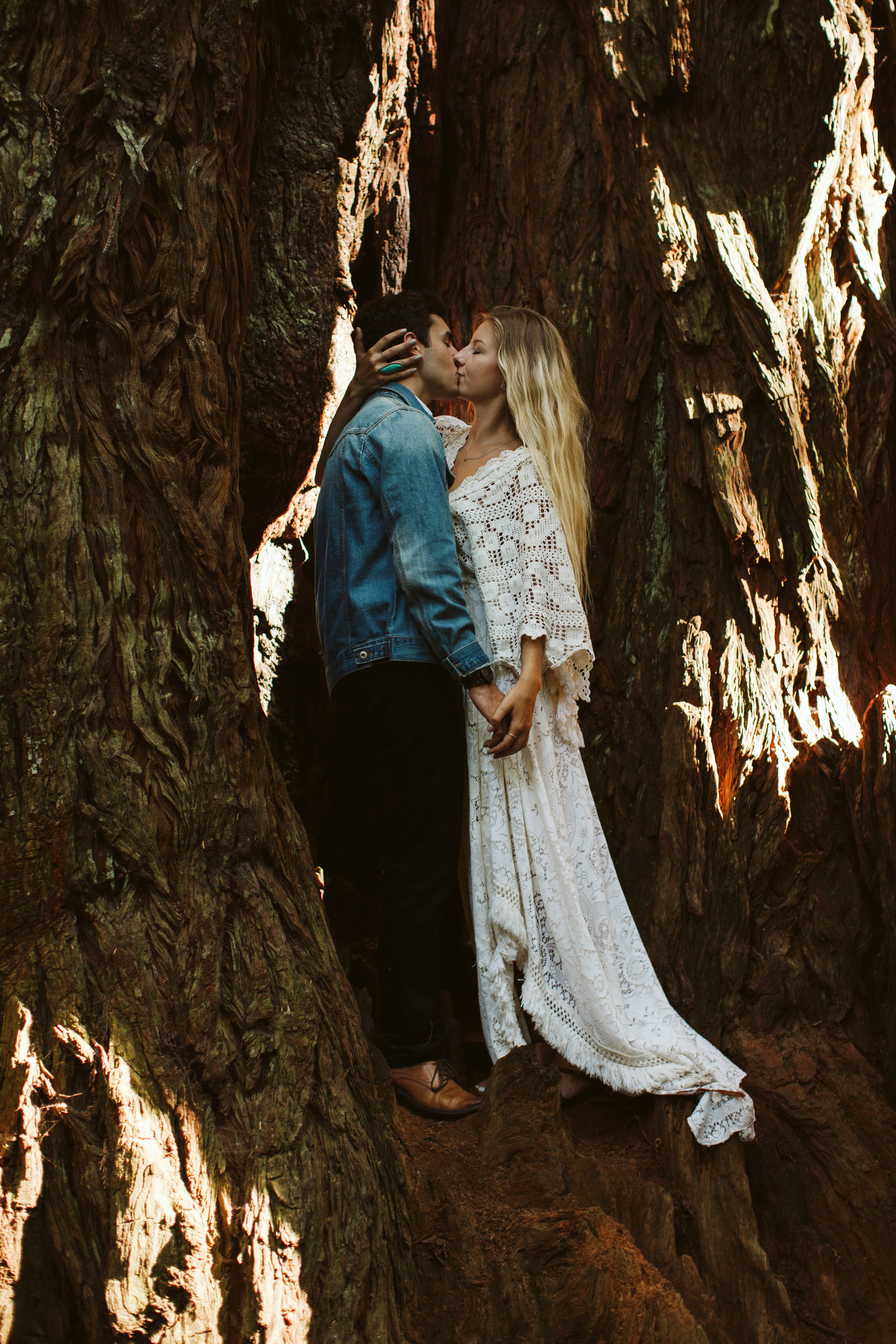 Redwoods_Elopement_Engagement_PNW_SouthernOregon_NorthernCalifornia_ (34 of 42).jpg