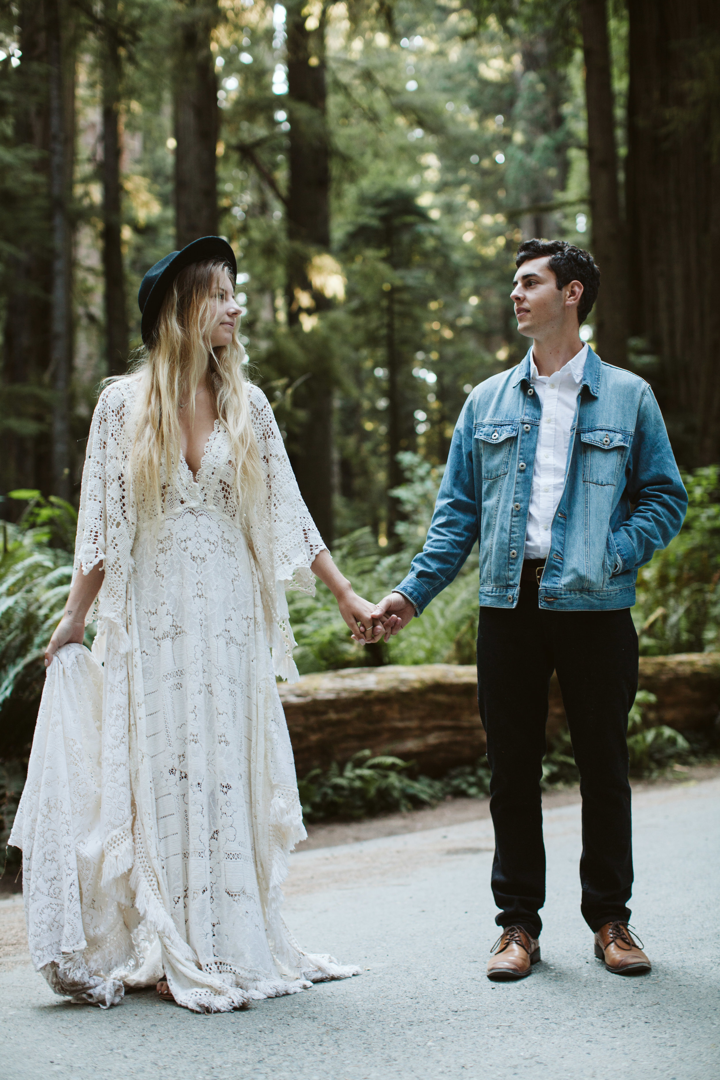 Redwoods_Elopement_Engagement_PNW_SouthernOregon_NorthernCalifornia_ (35 of 42).jpg
