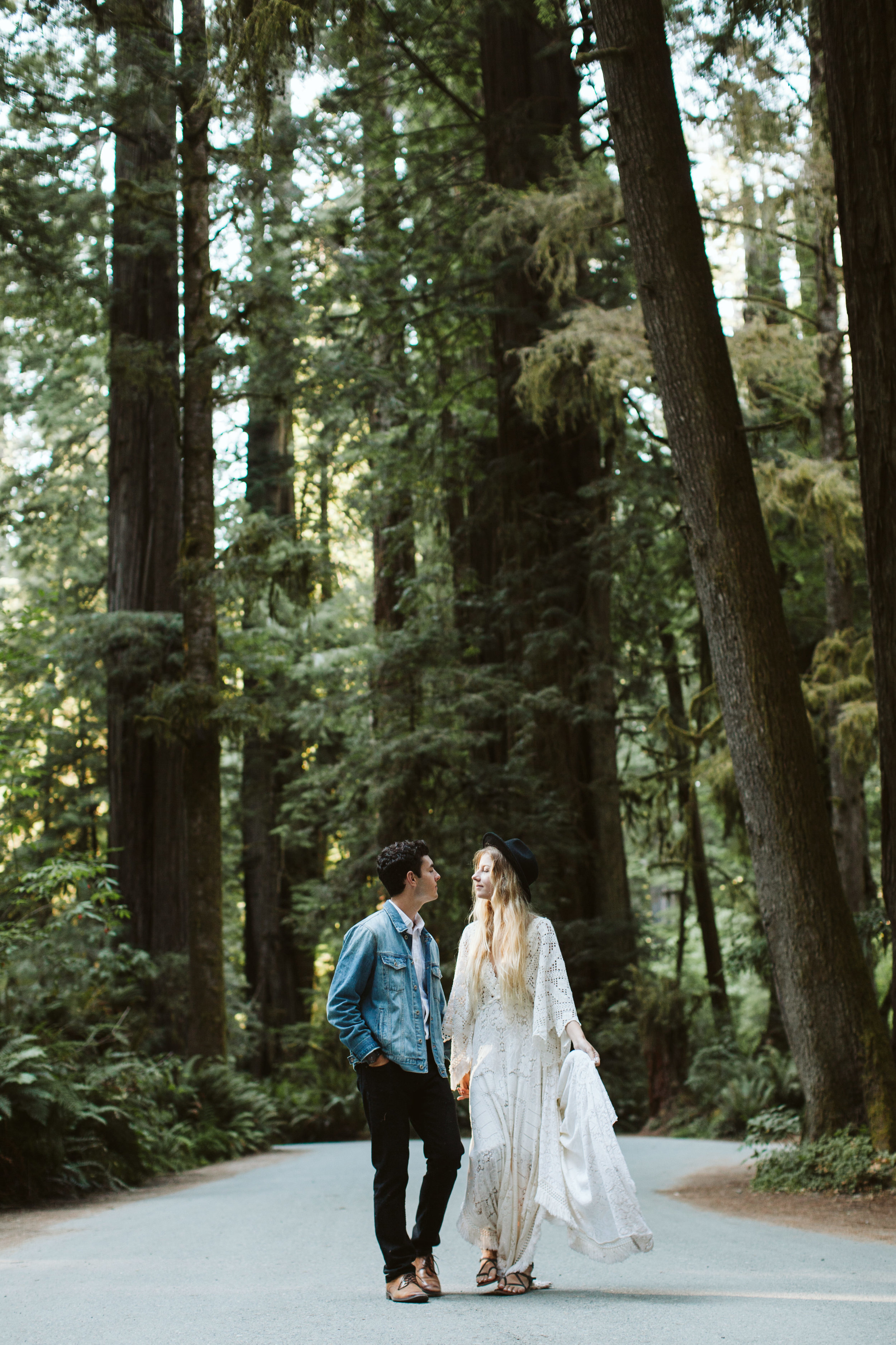 Redwoods_Elopement_Engagement_PNW_SouthernOregon_NorthernCalifornia_ (41 of 42).jpg