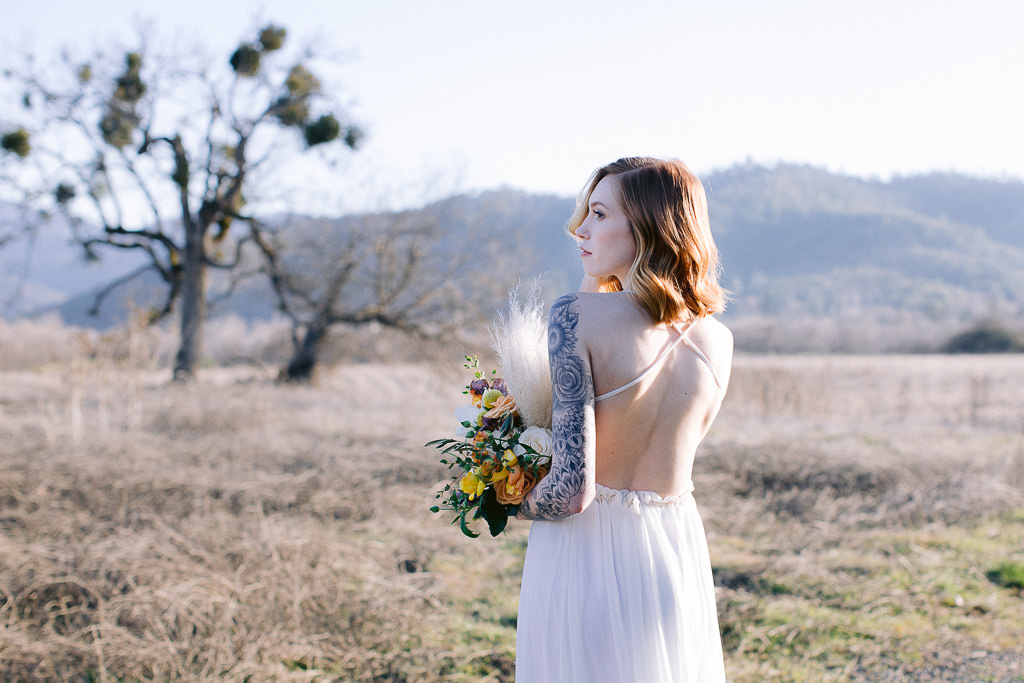 Bride with bouquet | Southern Oregon Wedding Photographer