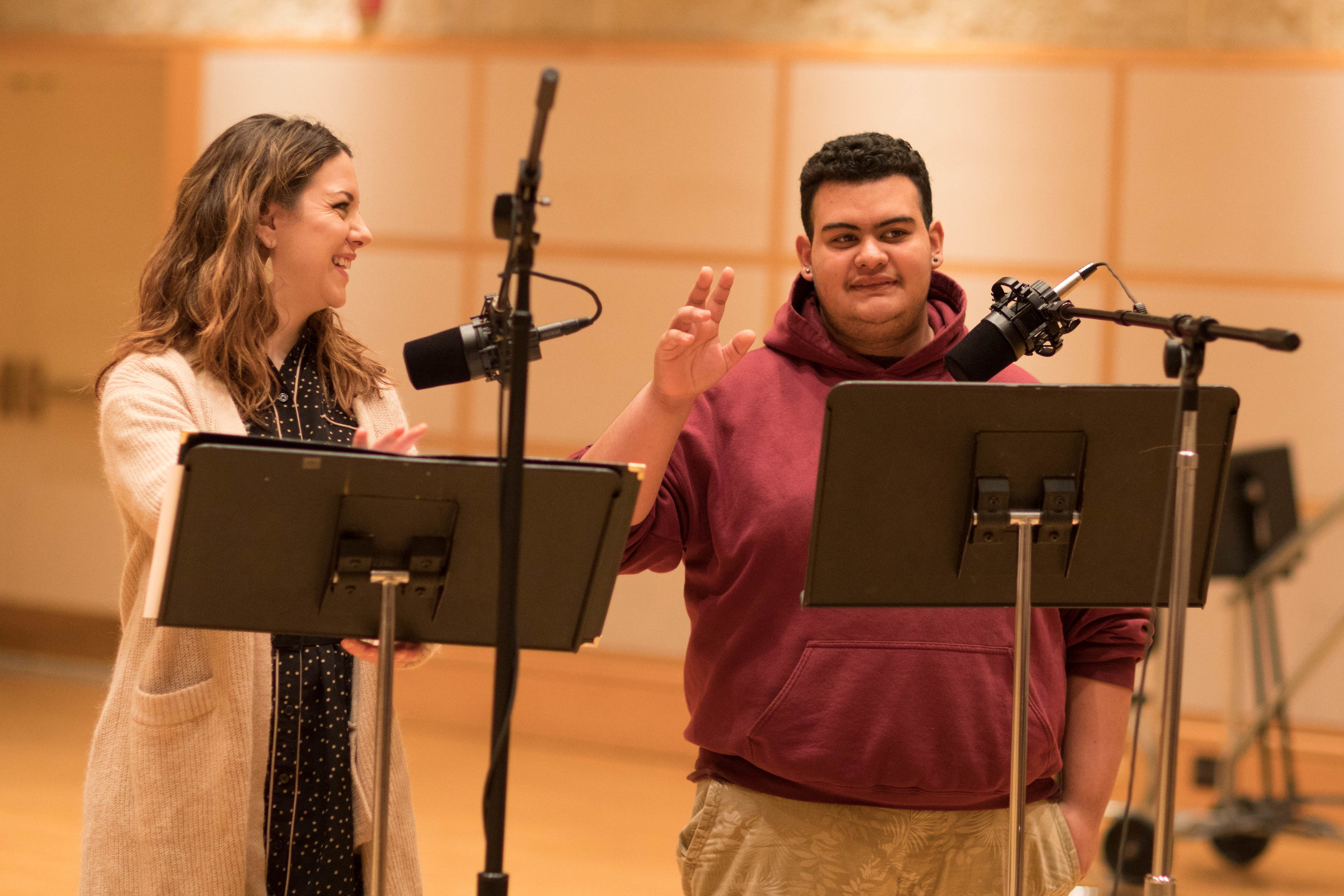 A parent participates in a Lullaby Project recording session, alongside mezzo-soprano Sarah Ponder. | © Todd Rosenberg Photography