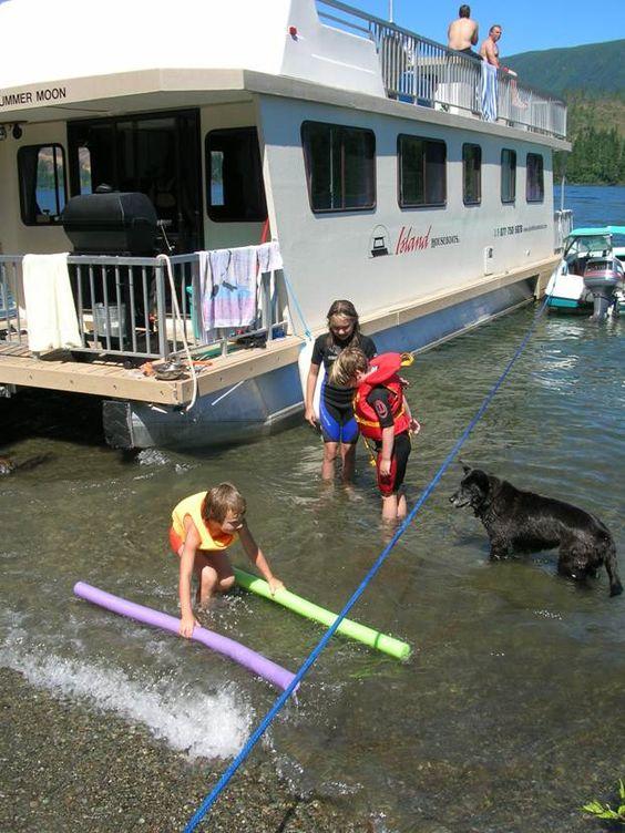 island-houseboats-rentals-bc.jpg