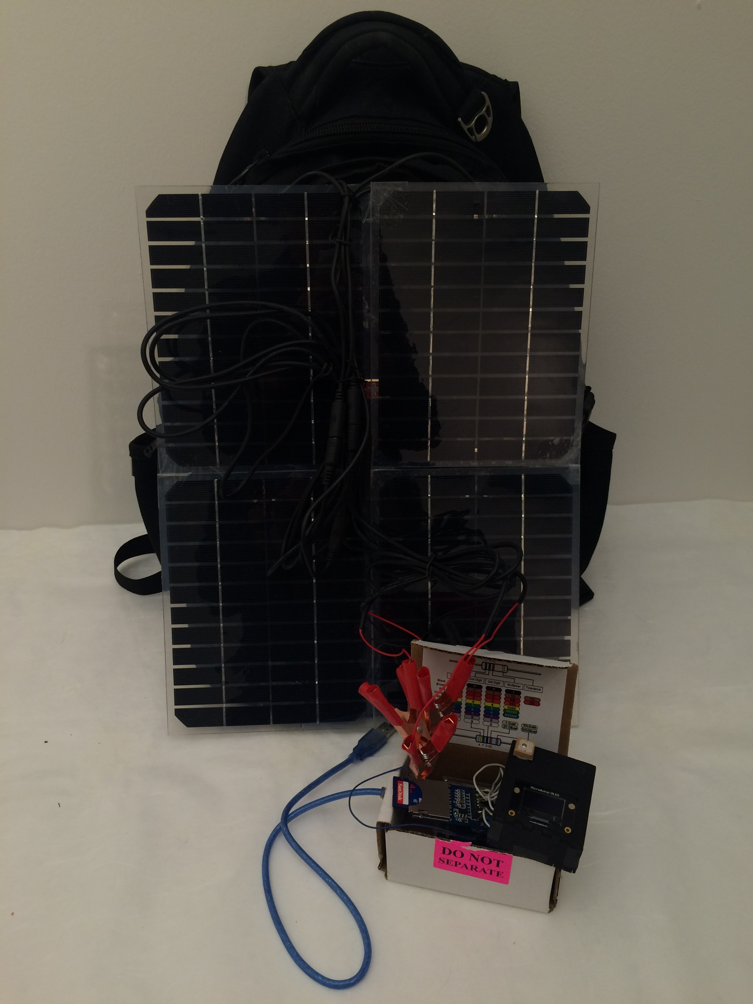 A device made to collect rhythm of the street lamp. Carring the bag and walk on the street, the solar panels will react to the light source and generate the waves.