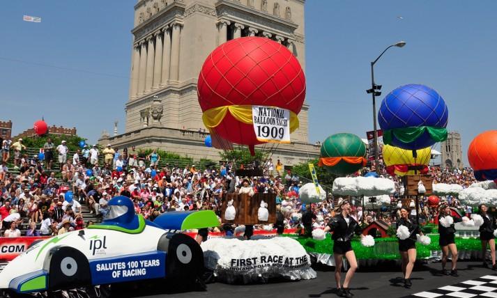 Float-in-2011-IPL-500-Festival-Parade.jpg