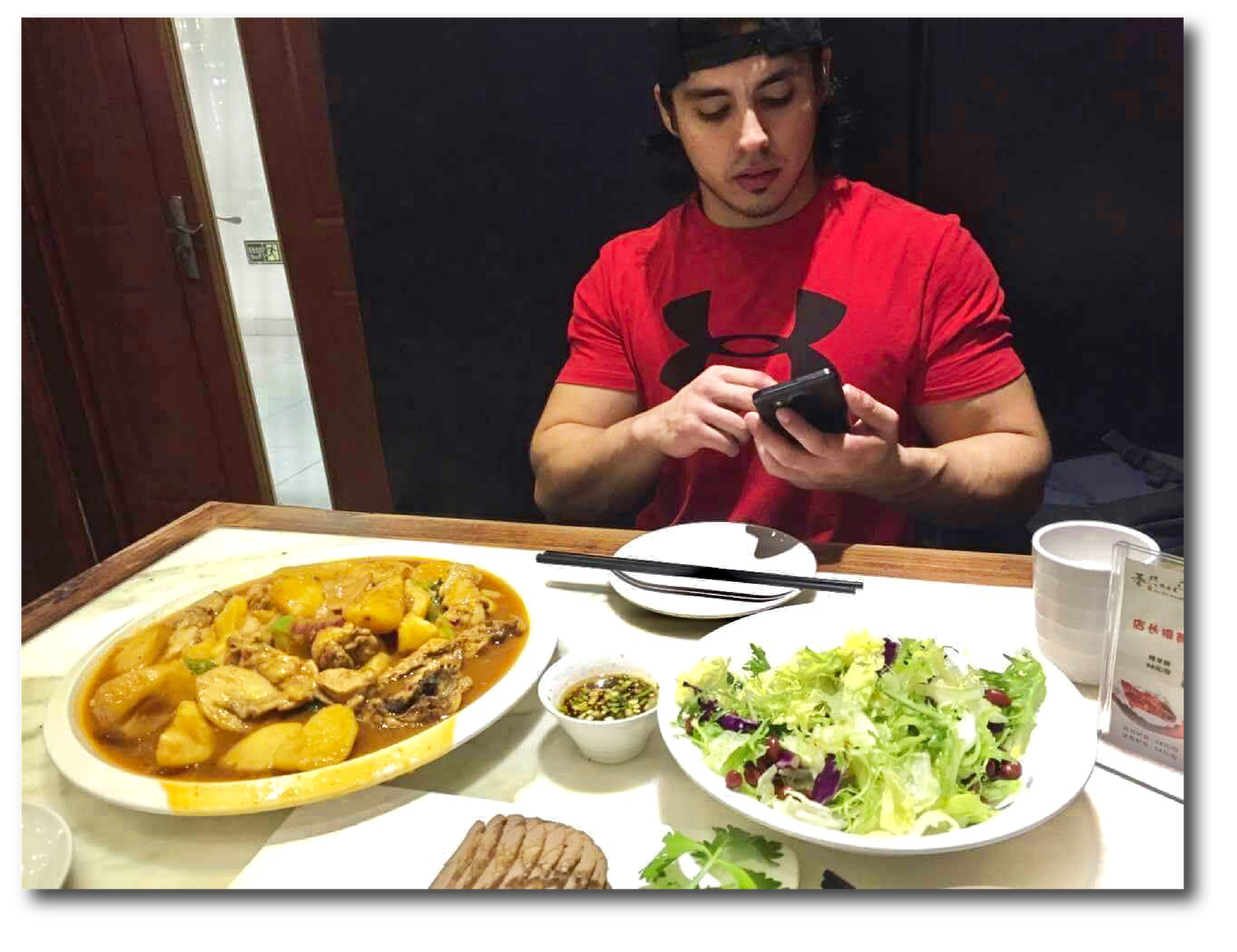 Thats me eating out, chowing down and building solid, LEAN muscle mass using my custom diet protocols you'll discover on this page!