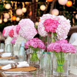 Items to ditch at your wedding (1)_Table Flowers.jpeg