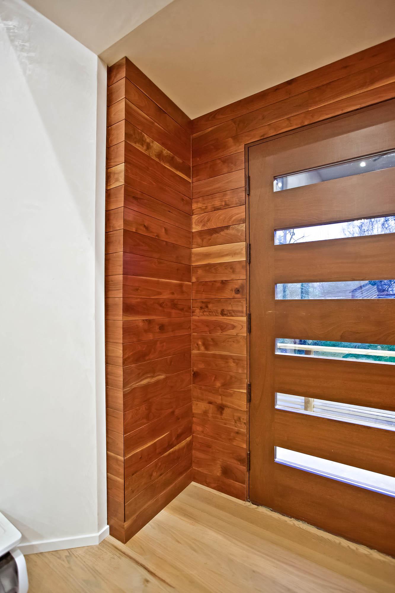 4-Front_Door-Closet.jpg