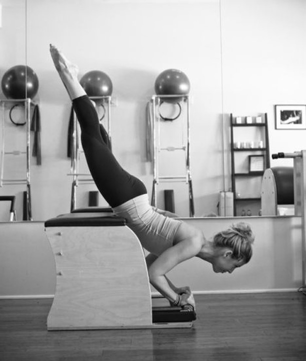 Lengthening and strengthening the spine, working the core, and upper and lower extremities-sounds like a total body workout to me. Looks wunda-ful #workoutonthewunda