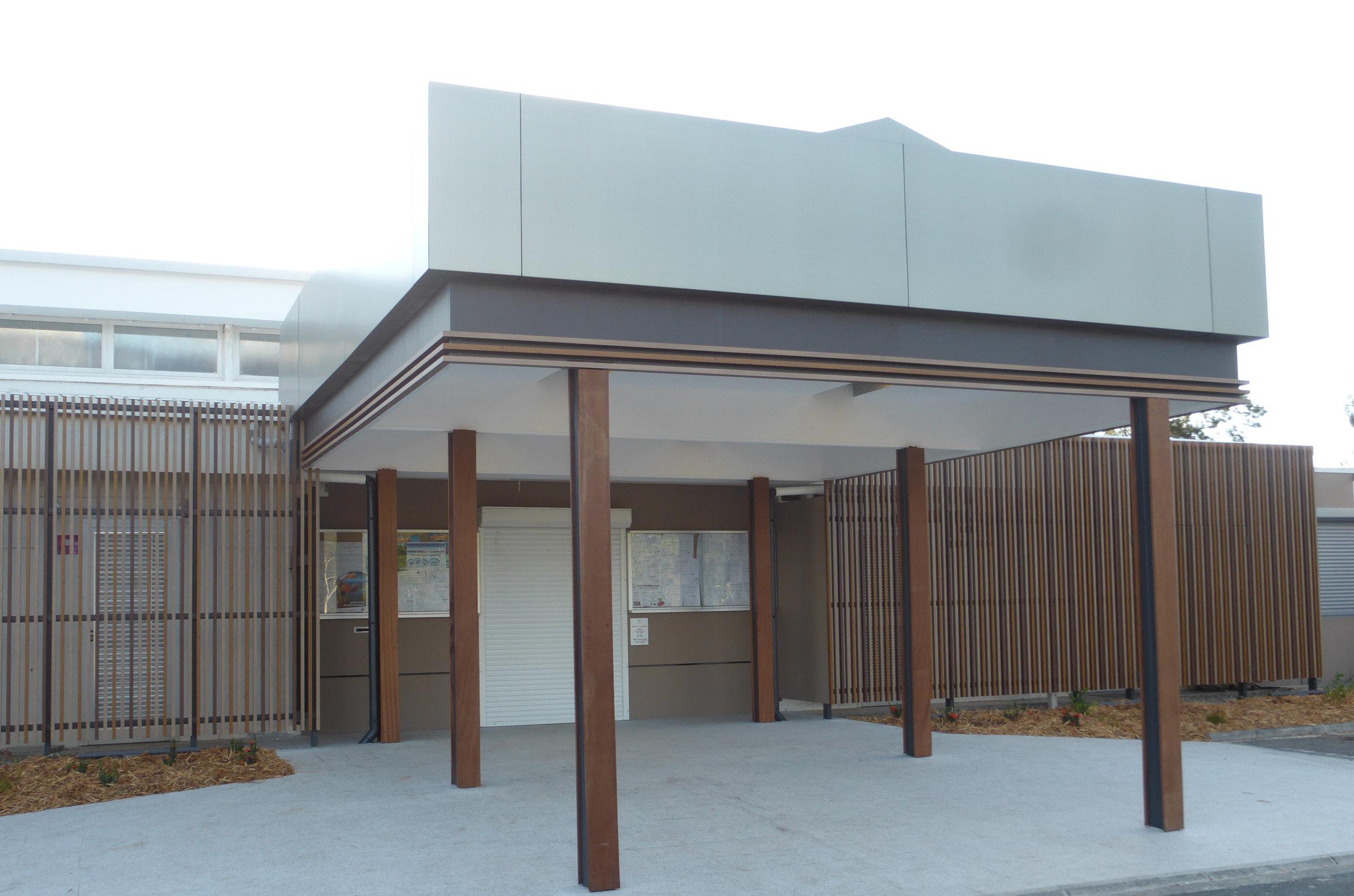 Covet Art Wood timber look aluminium 3  cropped.jpg
