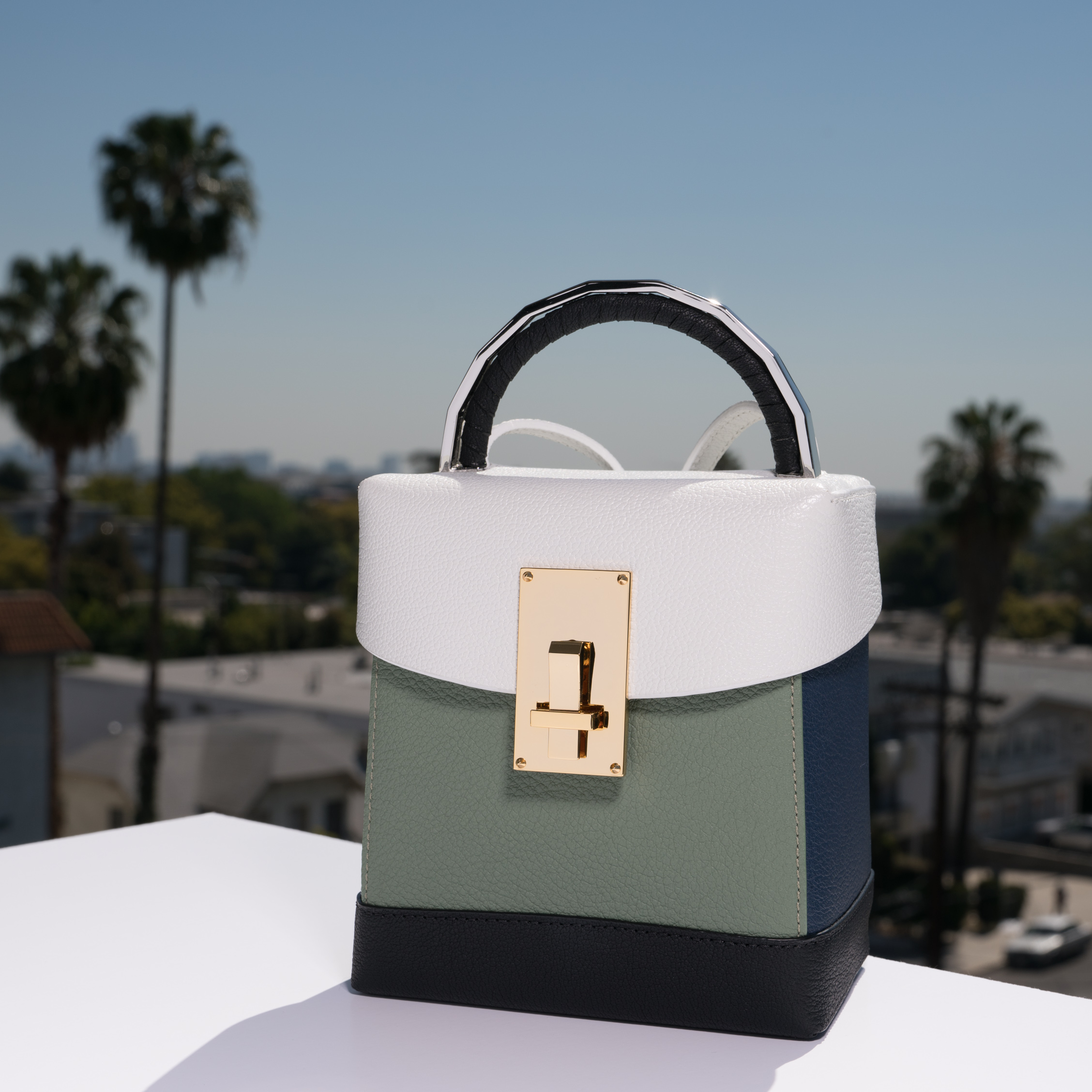 The Volon bag Los angeles by 1817creatives