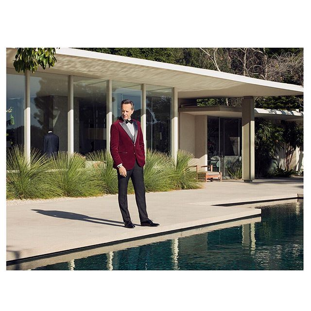 It was a real pleasure to shoot @richard.e.grant for @hollywoodreporter and all its amazing team. We loved the pop of color created by @theweitzeffect X @brunellocucinelli_brand for the #oscars2019 • Photographer @remytortosa X @hasselblad Assistant @jasonrenaud @annedici • #oscar#hollywood#richardegrant#celebrity#hasselblad#editorial#magazine#brunellocucinelli#1817creatives#remytortosa#createToInspire#mediumformat#losangeles#california#actor