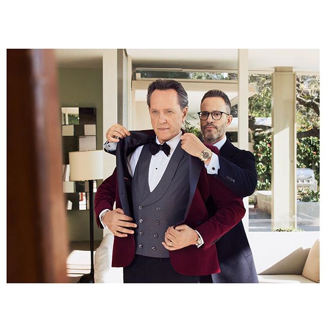 Fitting with the iconic @richard.e.grant and @theweitzeffect for the red carpet #oscars2019 Do you like his not so basic @brunellocucinelli_brand tuxedo ? • • Published in @hollywoodreporter • • Photographer @remytortosa X @hasselblad Assistant @jasonrenaud @annedici • #oscar#hollywood#richardegrant#celebrity#hasselblad#magazine#brunellocucinelli