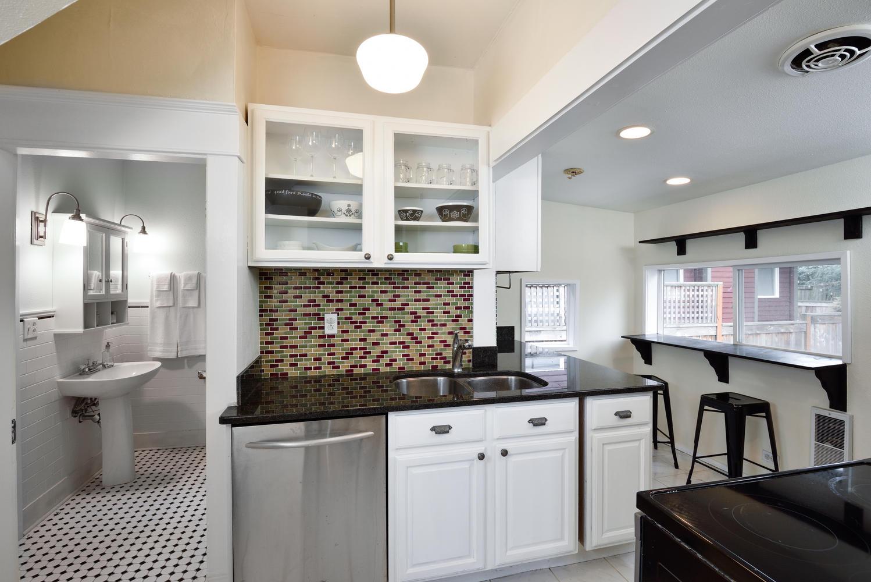 1620 N Holman St Portland OR-large-007-9-Kitchen-1499x1000-72dpi.jpg
