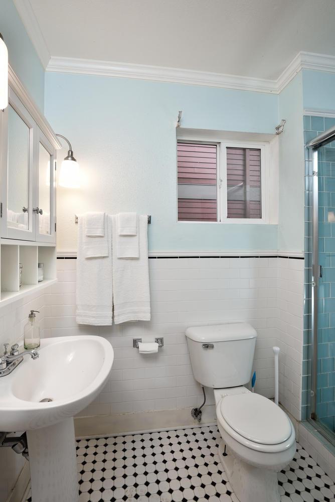 1620 N Holman St Portland OR-large-010-4-Bathroom-668x1000-72dpi.jpg