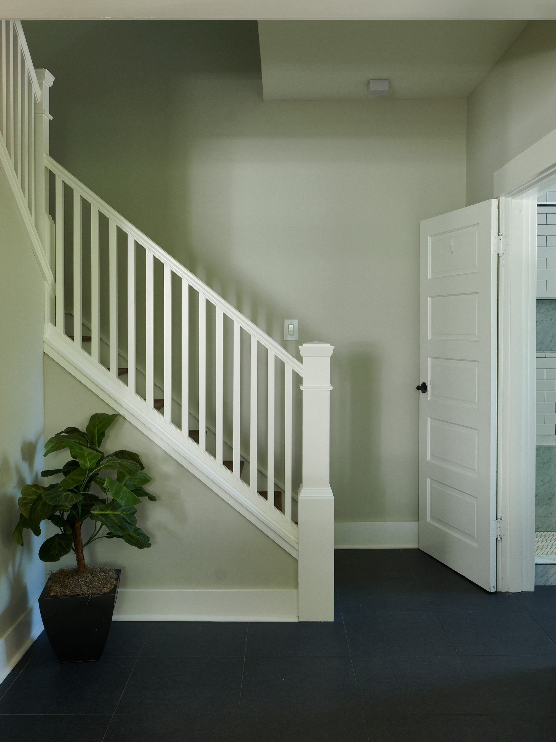 Stairsb.jpg