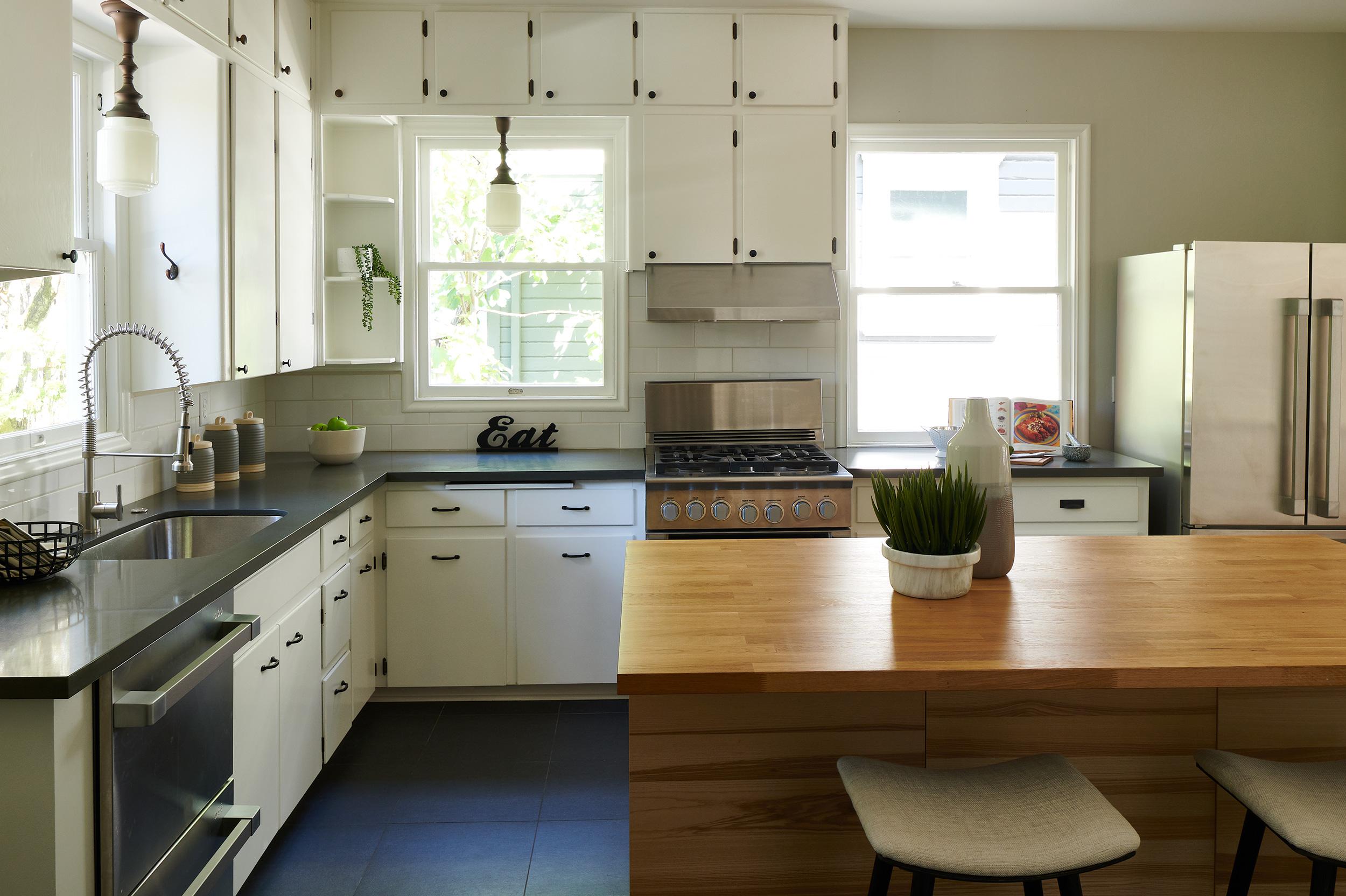 Kitchen4b.jpg