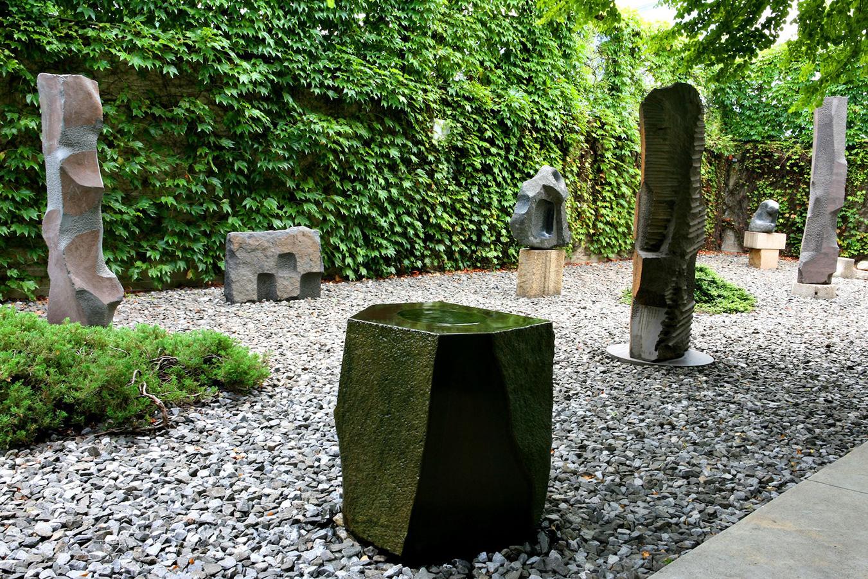 16_Garden,_The_Noguchi_Museum.jpg