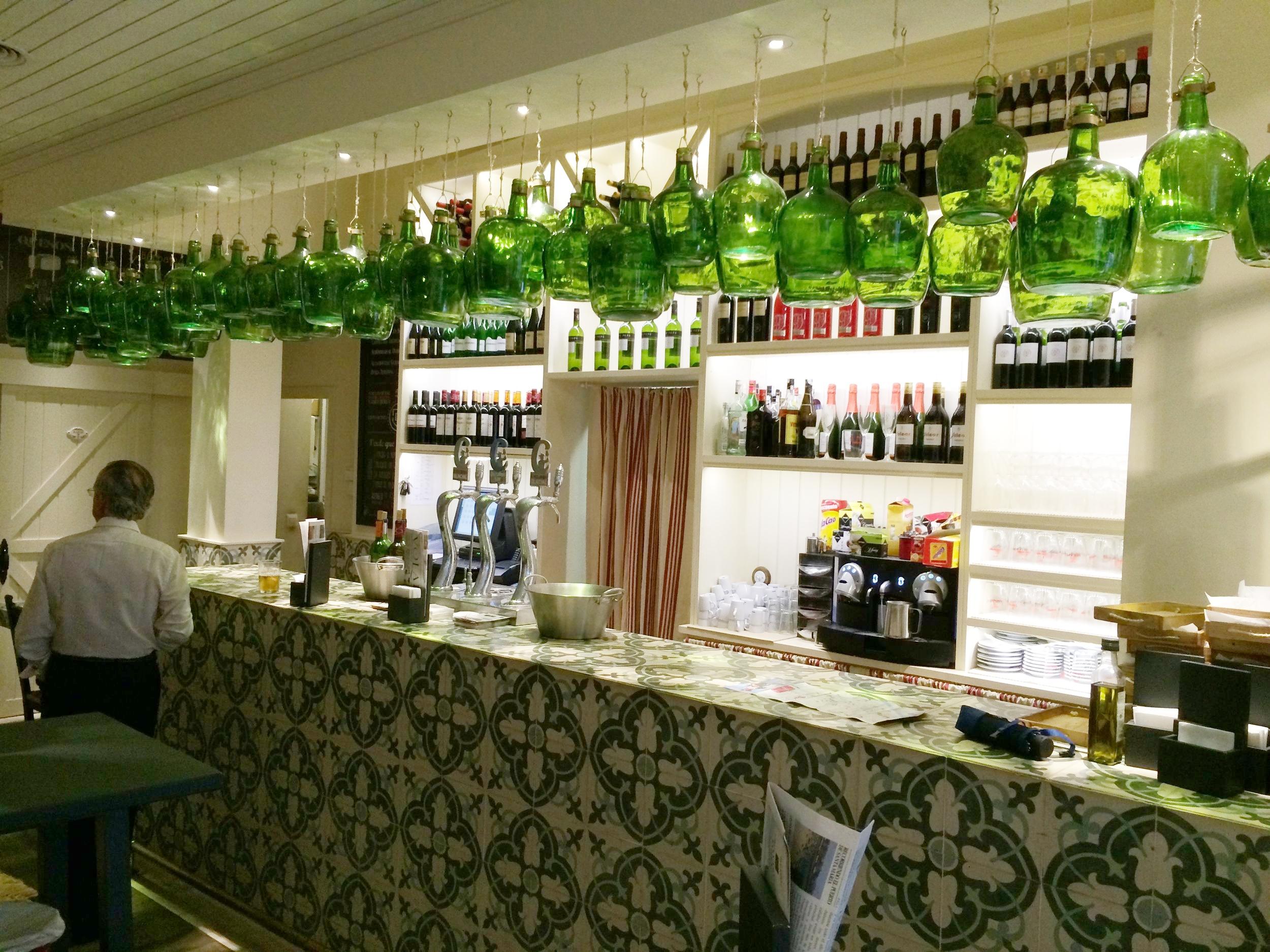 Juan Carlos Restaurant, Bar Area