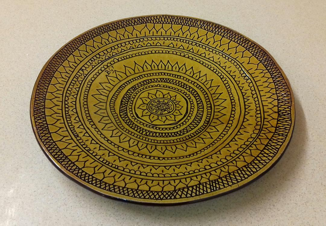 """Sgraffito plate by Billie-Gina: d13""""; red earthenware clay / white slip / honey glaze"""