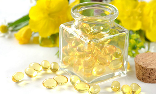 PRIMROSE - Primrose oil is rich in omega-6 fatty acids.BENEFITS: Stimulates hair growth. Provides scalp relief.
