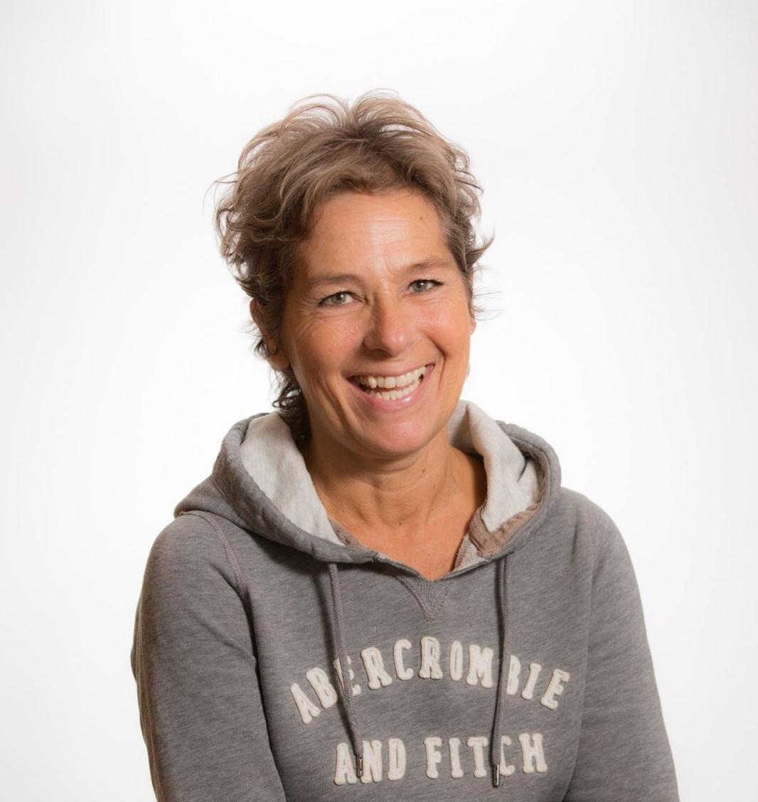 Nina Jansen - Sinds 2012 ben ik werkzaam bij Dierenkliniek Westwijk. Ik richt me met name op de administratie en verricht hand- en spandiensten waar nodig.