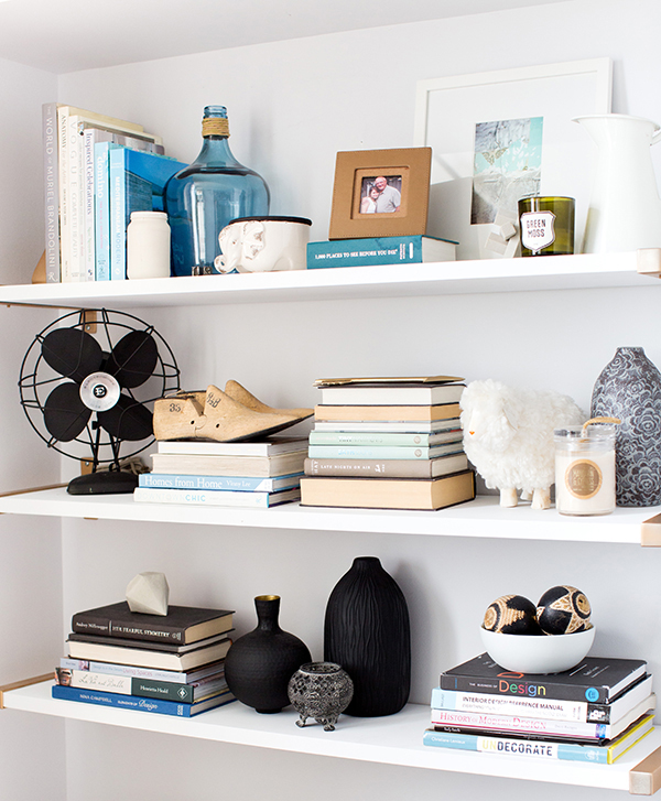 Another example of personality shelf by  @glitterguide