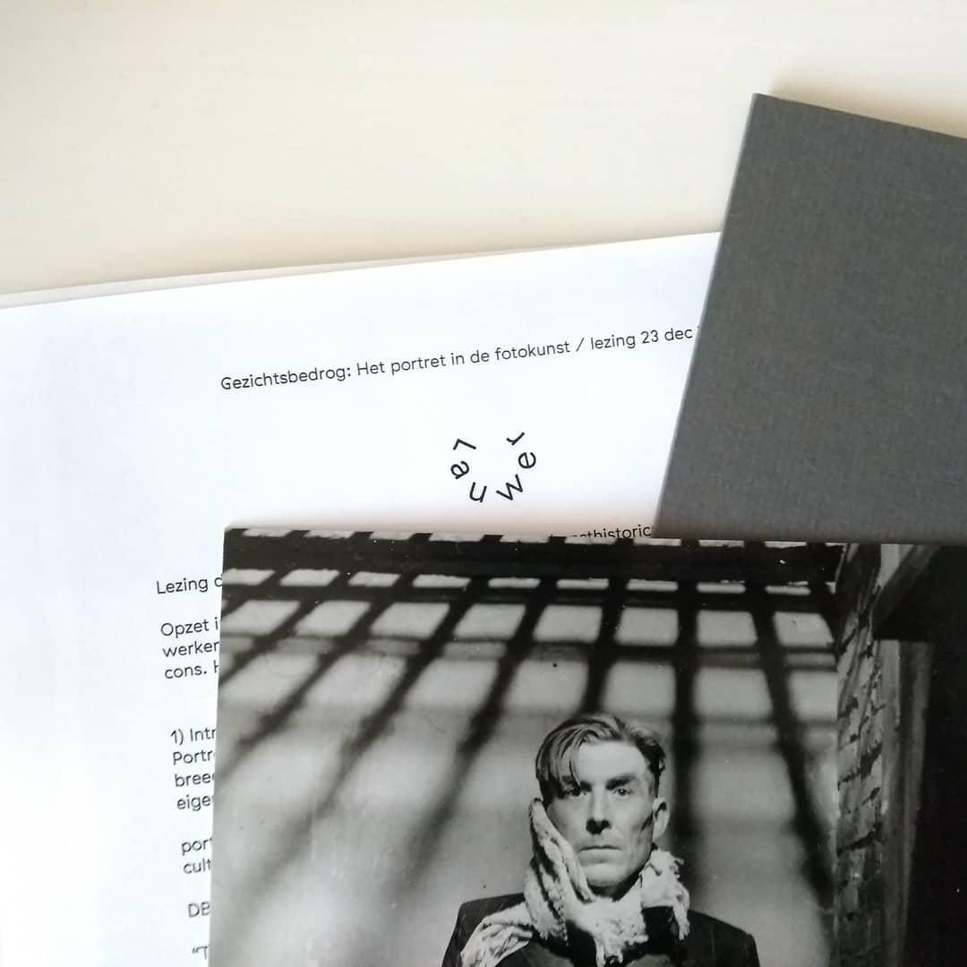 Documenten bij de lezing 'Gezichtsbedrog: Het portret in de fotokunst' © Lauwer