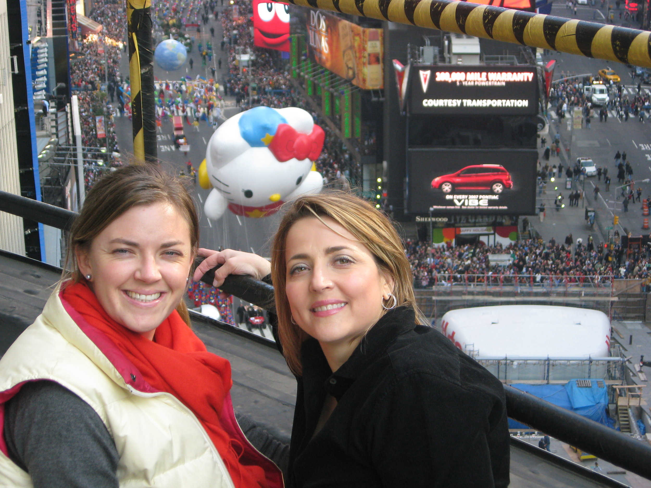 Sarah and EAK at Macy's Thanksgiving Day Parade 2007 016.jpg
