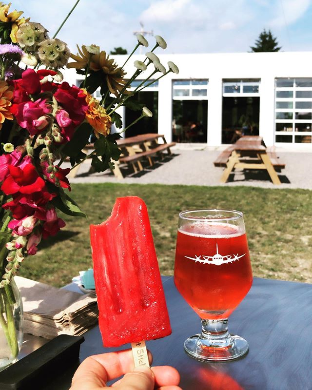 // Don't worry, we are feeling just as melty as you // come snag a pop a pop & literally all the veggies 🍅🌶🥬🥦to throw on your grill tonight 🔥🔥🔥 // & a cold cold hibiscus brew 🍻🍻🍻 #buylocal #marketday #poplife #getsticky #summerinmaine #beer&market&pops #yumm #ladybiz #mobilelife #knowyourfarmer