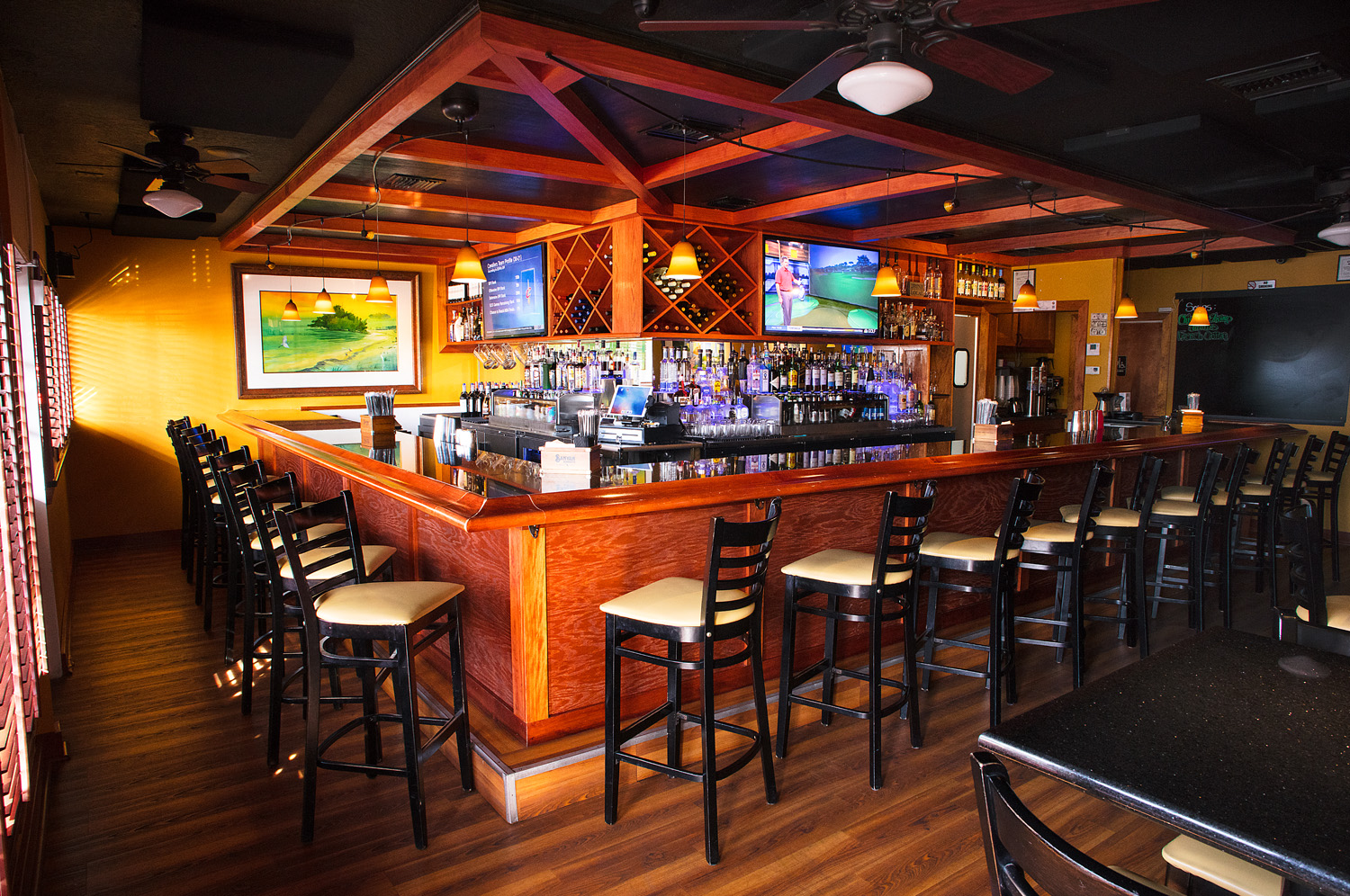 windward bar and grille