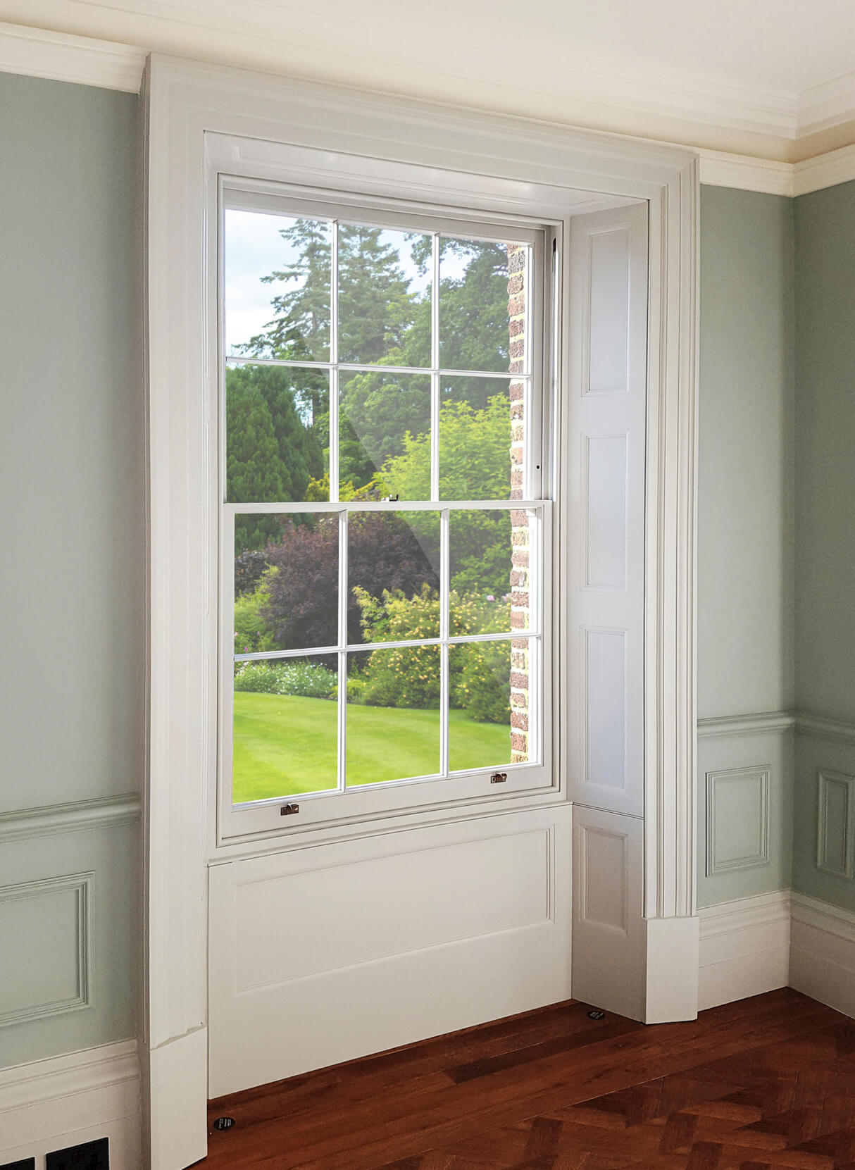 """I had 3 Spiral Balanced Sash windows fitted by Hardwick Windows, the quality of the product is superb"" - Diane Kettle"