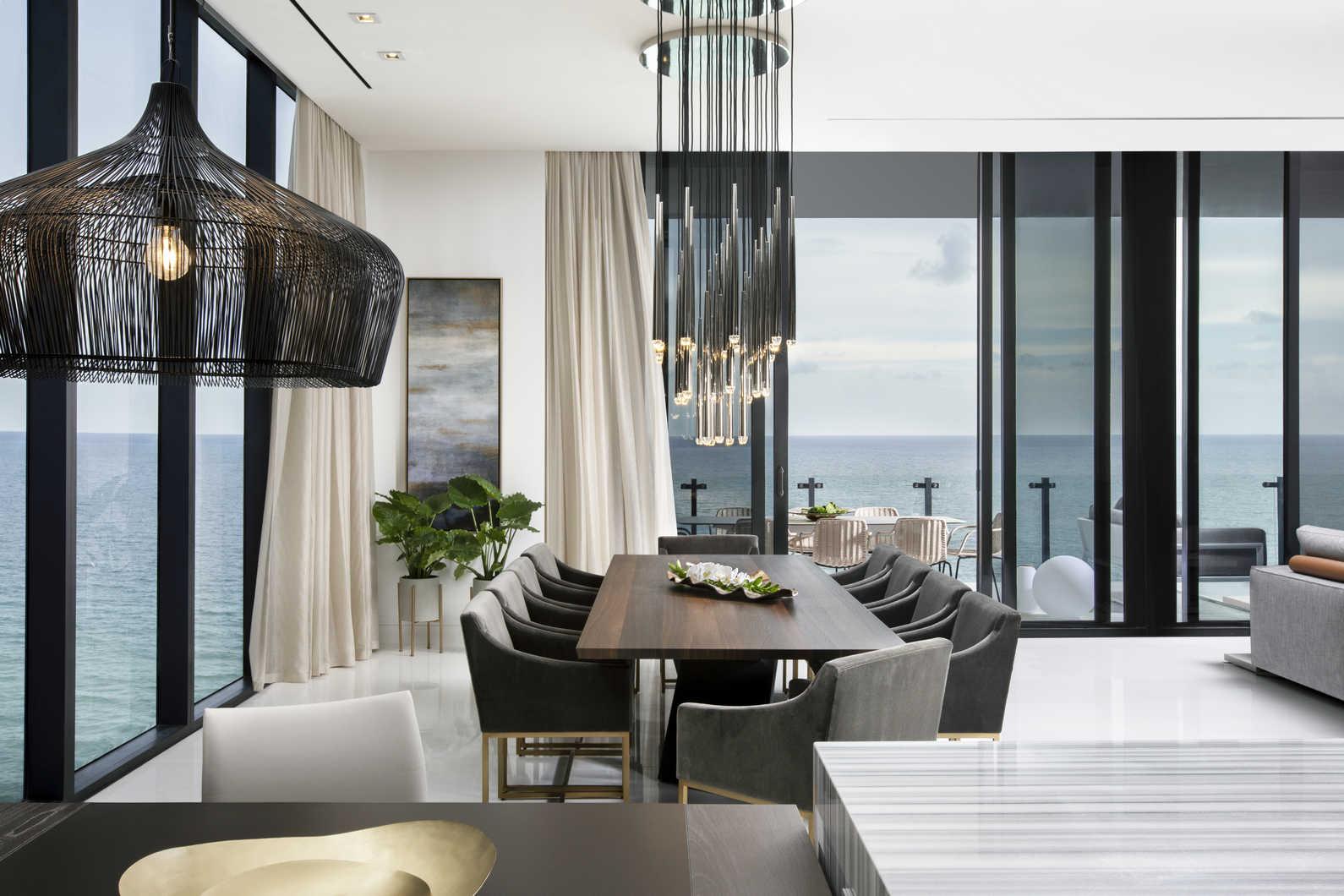 5_Luxe-Waterfront-Condo-DiningRoom-DKOR-Interiors.jpg