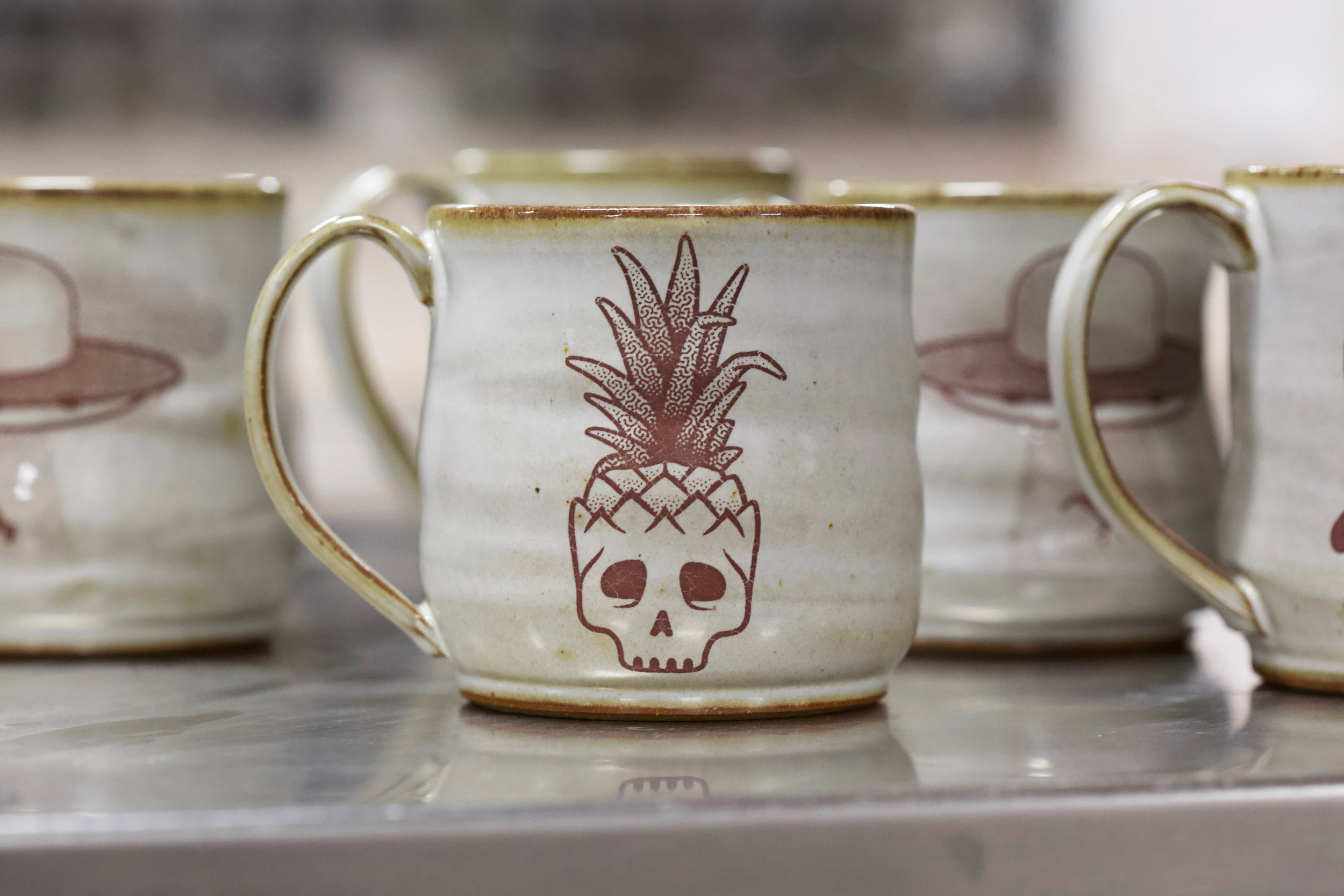 pineapple_mug3.jpg