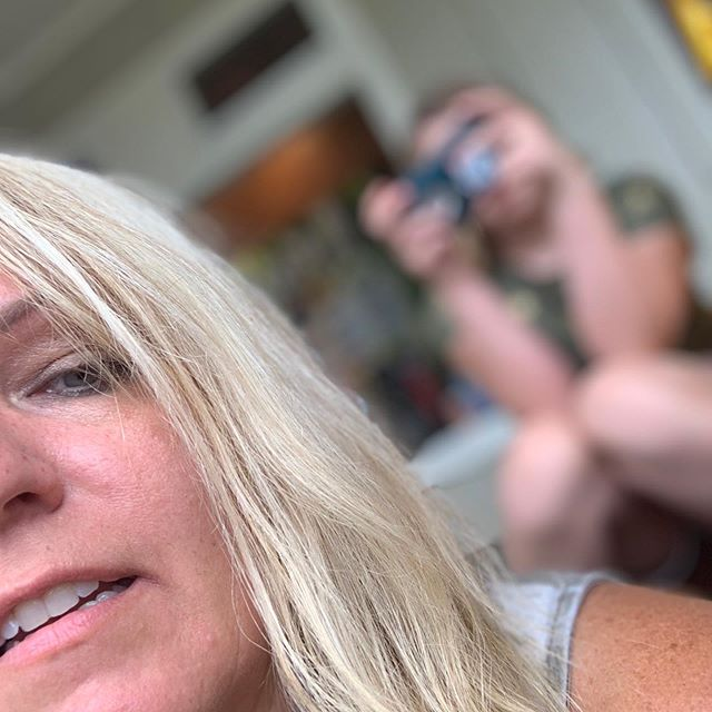 🌴Trying to sneak a selfie of me and my niece who is refusing photos! 🌴when is it that kids start to refuse those sweet teeth grins and are 'too cool 😎 for school'?! 🌴Family vacations can be tough and rewarding all the same, especially if your family is like the Griswalds! (I say that endearingly because I love them!  But we are human!) 🌴When was your last family vacation?  Where did you go?