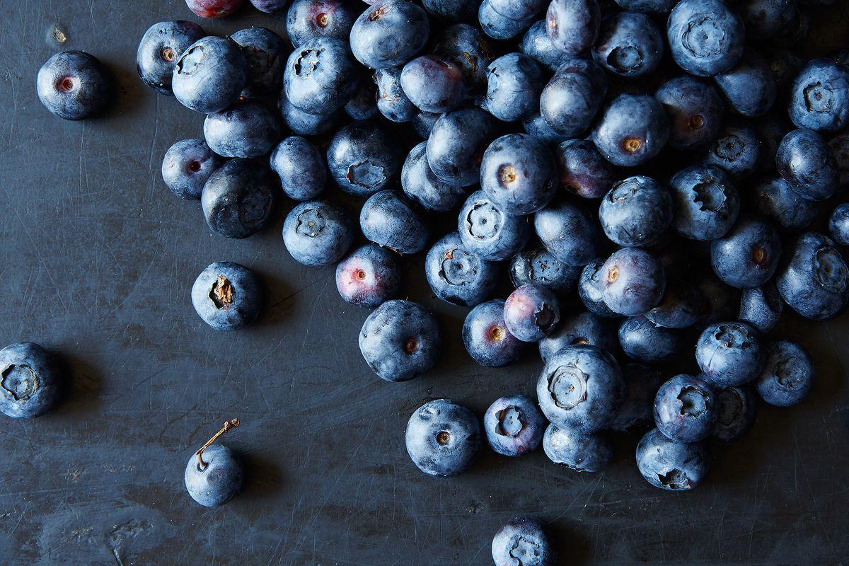 a772c2a8-6b6f-4b9a-9ea8-59f79d7a1077--blueberries_food52_mark_weinberg_14-07-01_0103.jpg