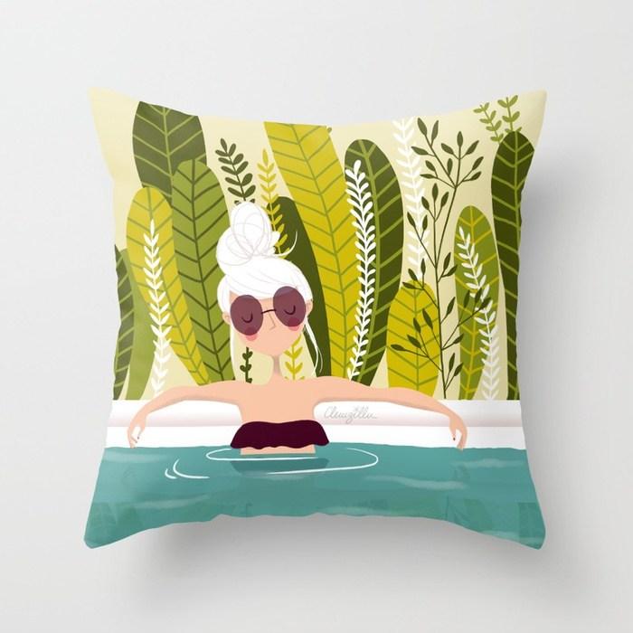 canicule-fille-dans-la-piscine-pillows.jpg