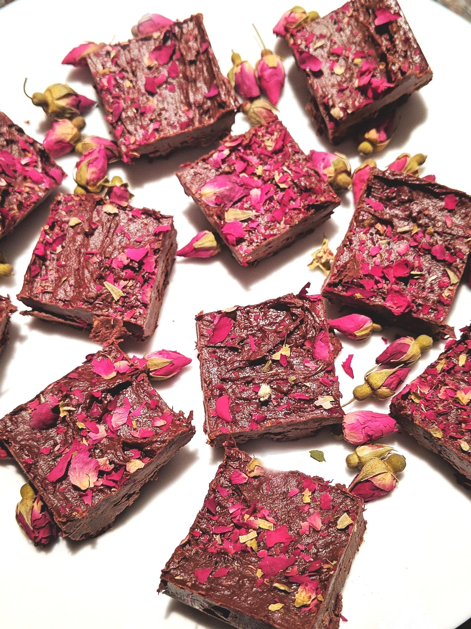 Cbd-oil-chocolates-lotus-jos-yoga.jpg