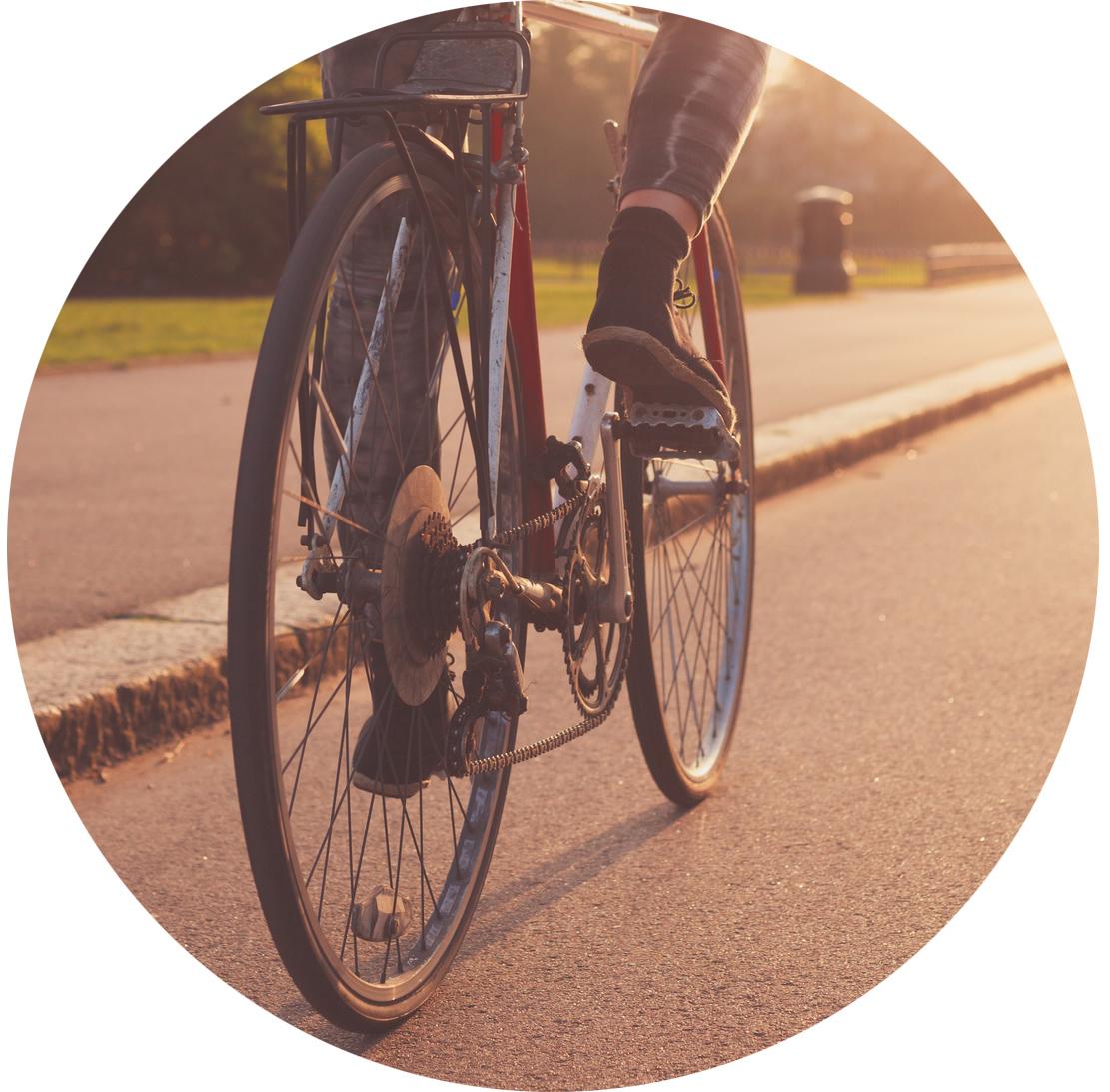 biking-493958393.jpg