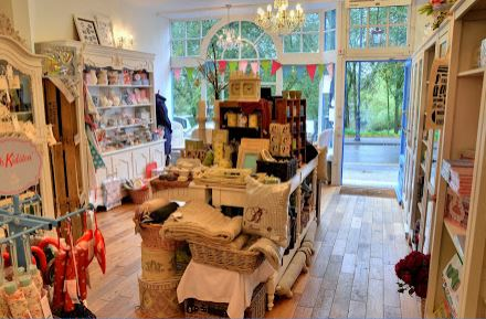 "annabel's luxury english gifts - kent - 15 High Street,Chislehurst,Kent,BR7 5ABhttp://www.annabelsluxuryenglishgifts.com/""Annabel's Luxury English Gifts was started by a small team of people who shared a dream to create their own Fortnum and Mason - their favourite place to shop. Annabel's was founded on a concept of employee ownership, so the whole team team is invested, passionate and proud of their stores. When they first started, the vision was to promote luxury English designers and English manufacturers, and they have stayed true to their principles. They wanted to create an ambience of elegance where clients can discover that special gift for someone else, or even spoil themselves because, after all, such indulgences are good for the soul!"""
