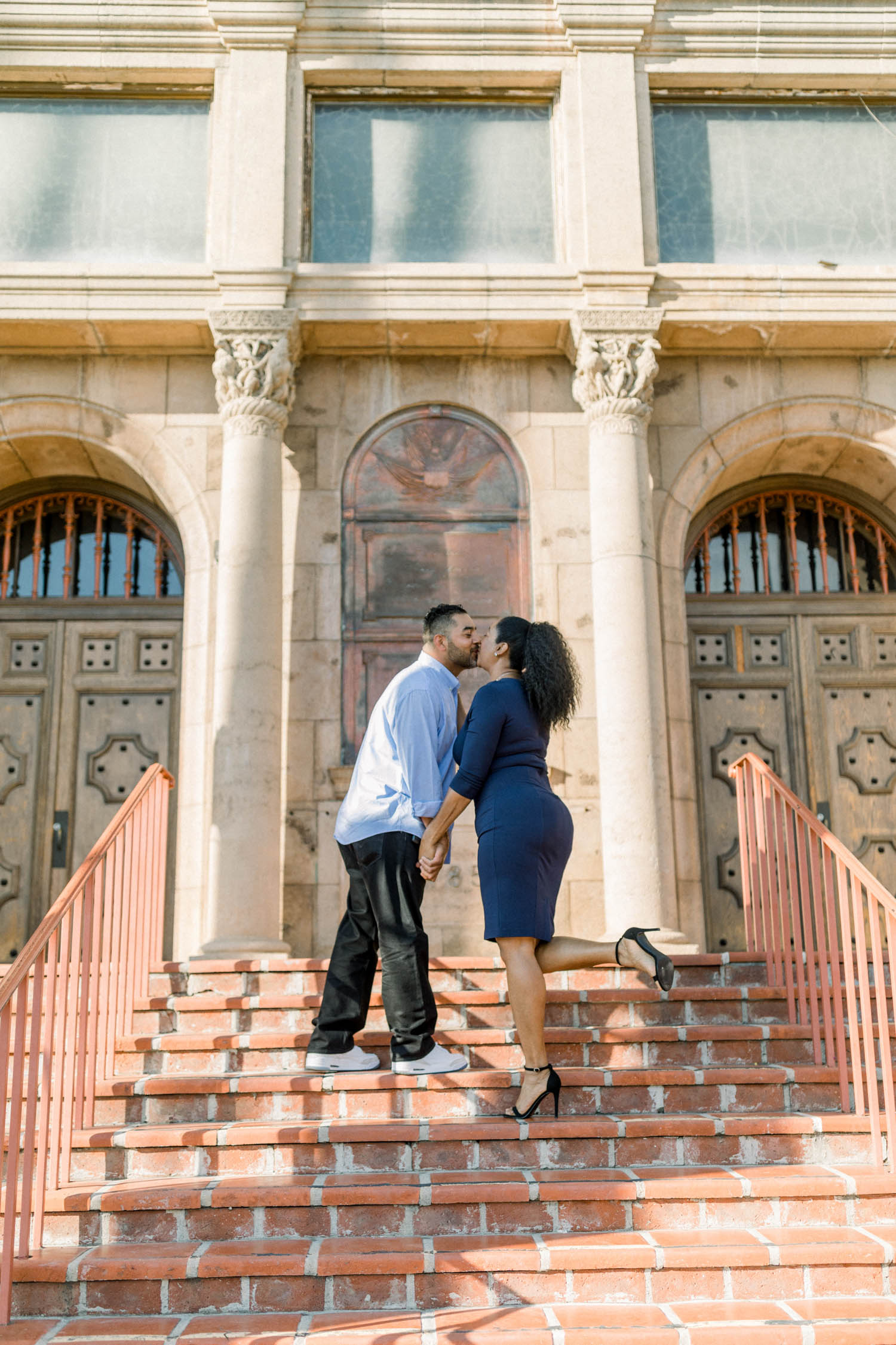 downtown_riverside_engagement_01.jpg
