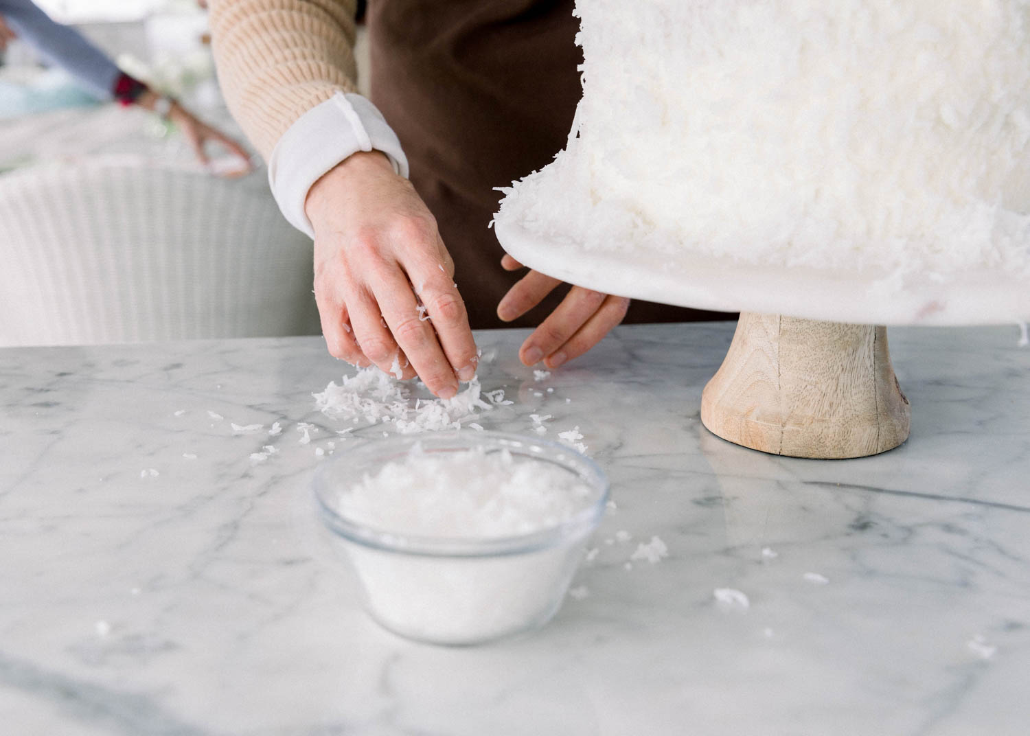 Preparing a coconut cake