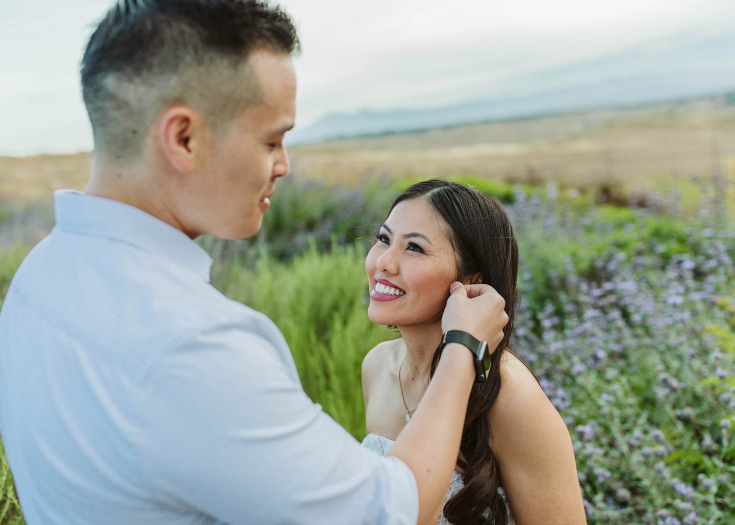 Riverside_Engagement_03.jpg