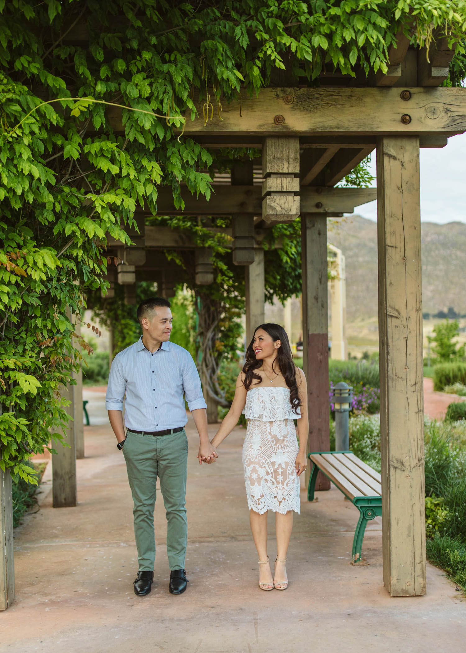 Riverside_Engagement_09.jpg