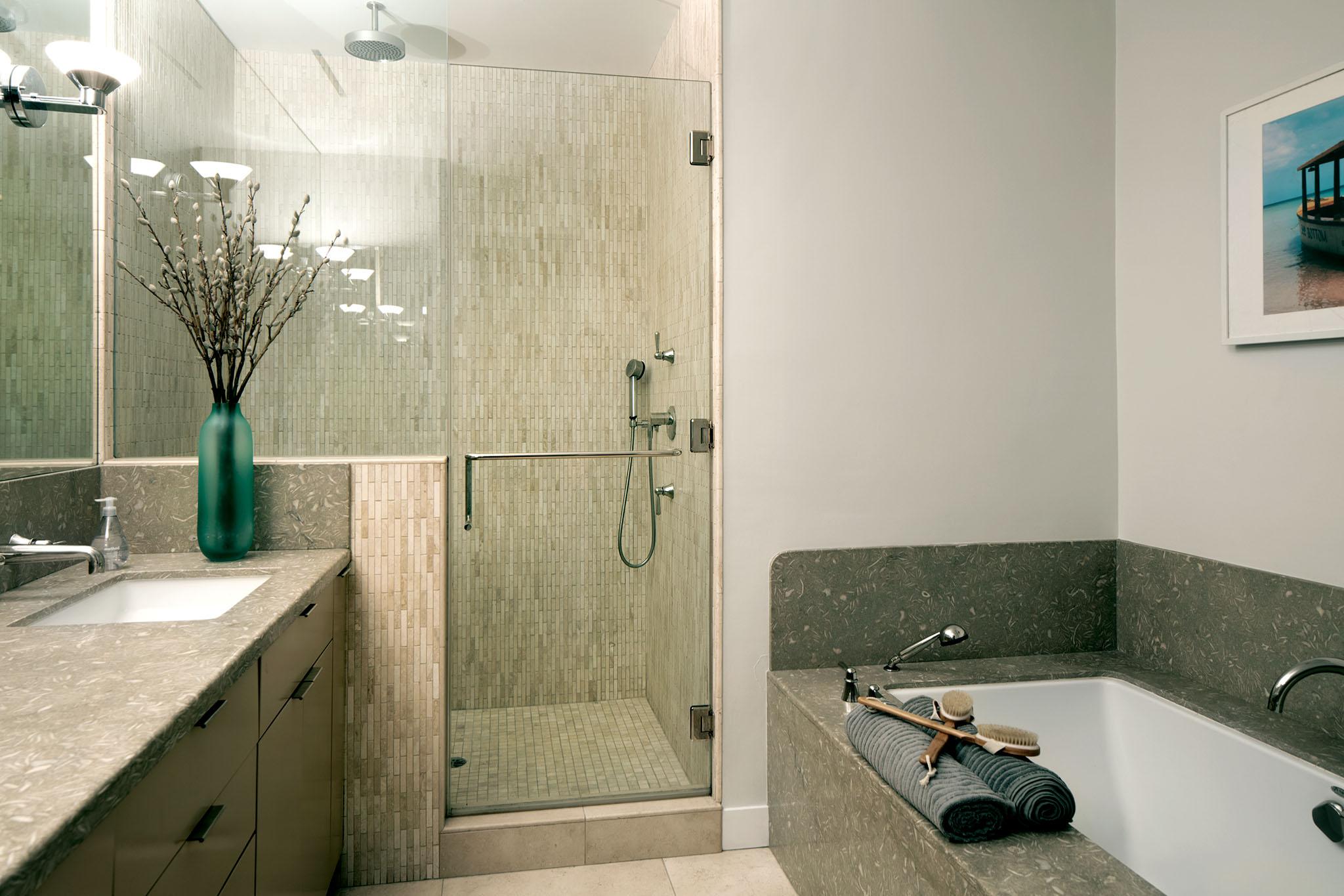sierratowers1404-bath.jpg