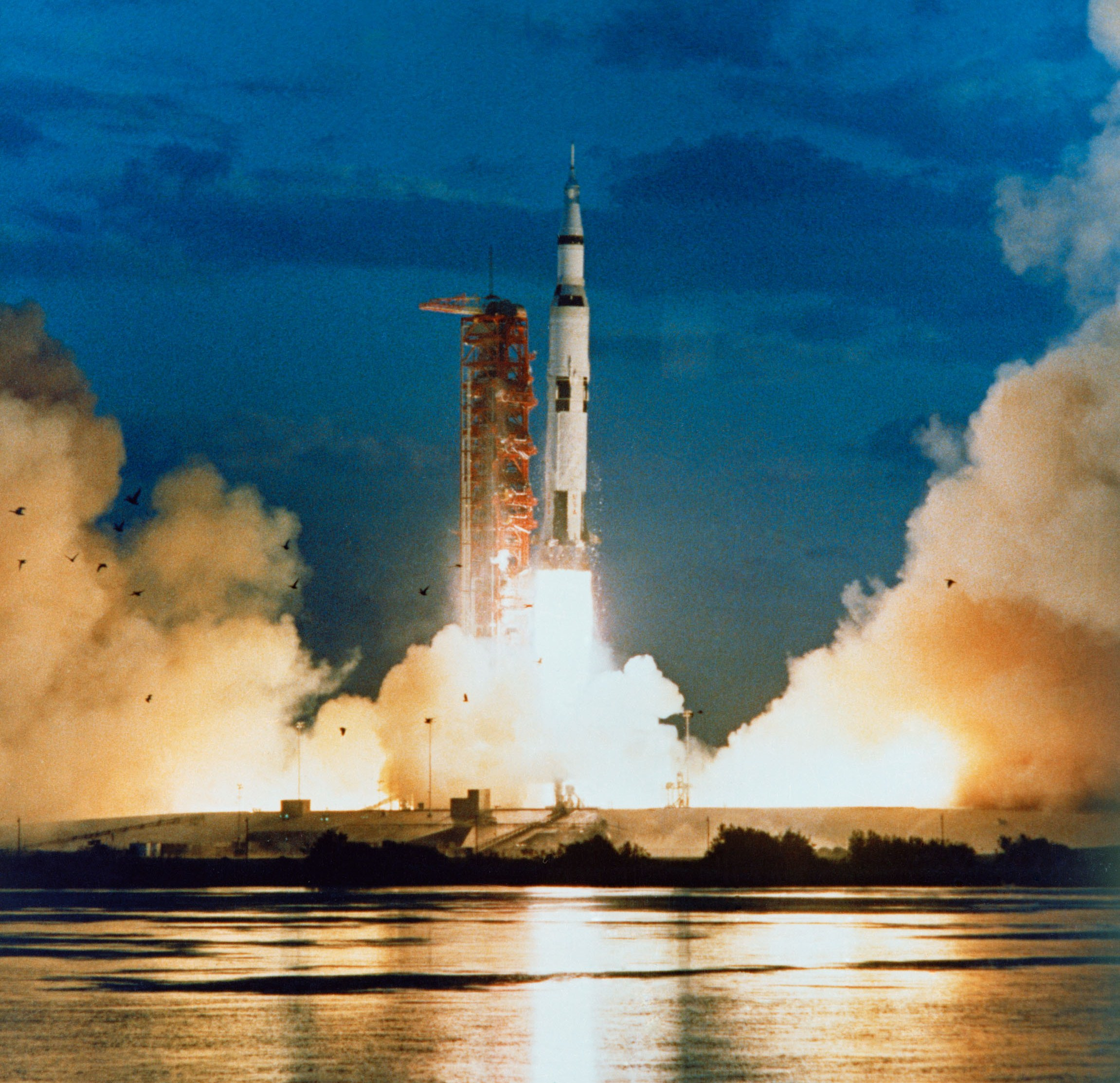 678411main_Apollo-4-Launch.jpg